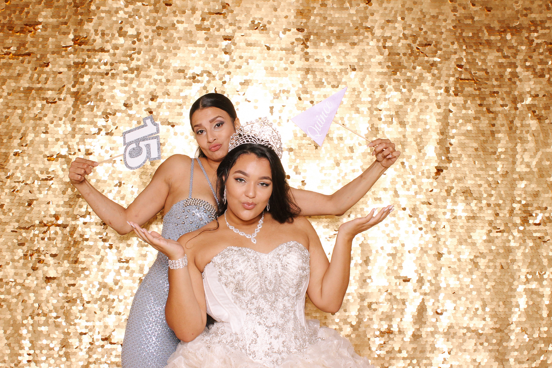 00002 Best Quinceanera Photobooth in Cleveland.jpg