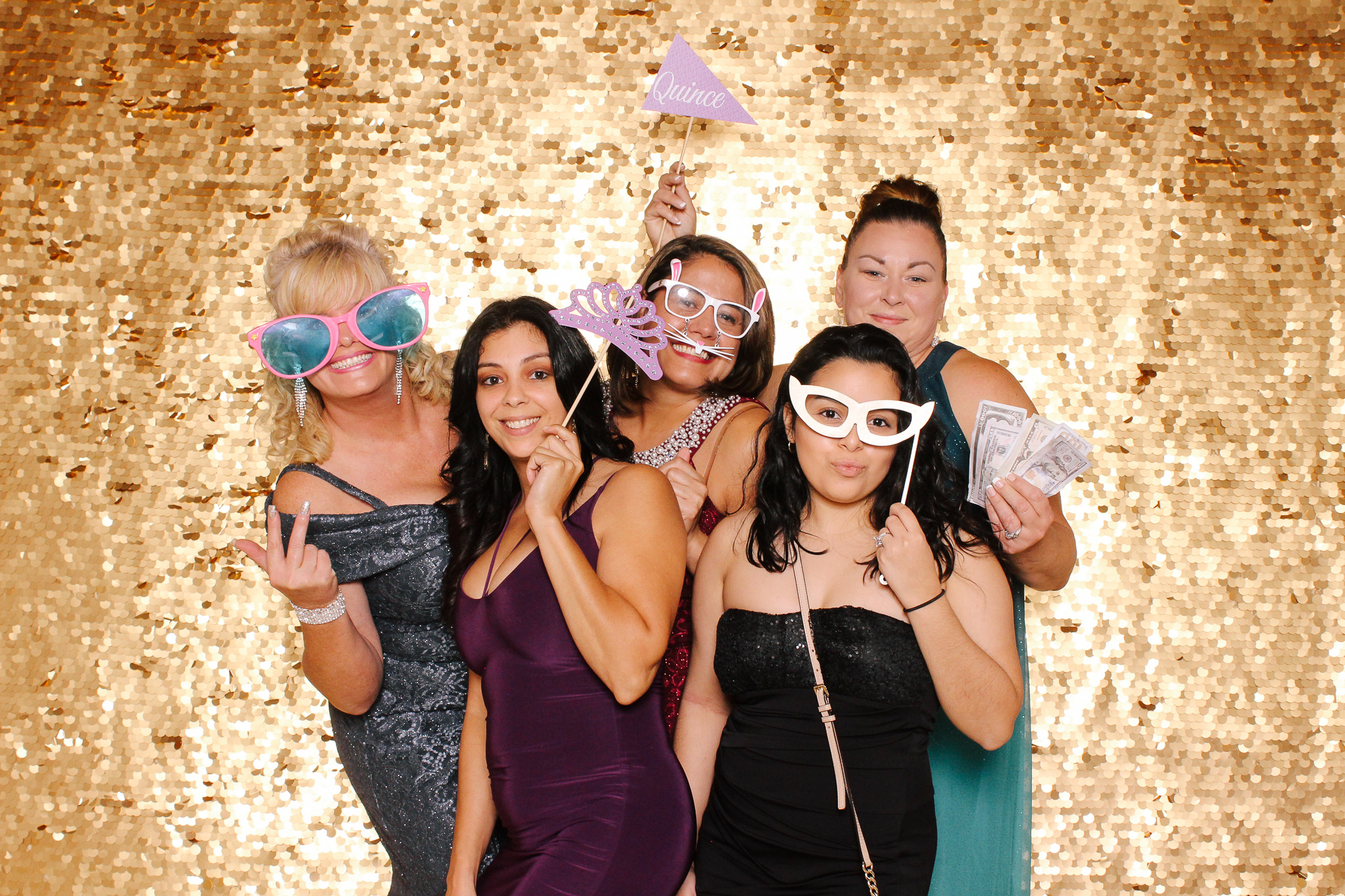 00105 Best Quinceanera Photobooth in Cleveland.jpg