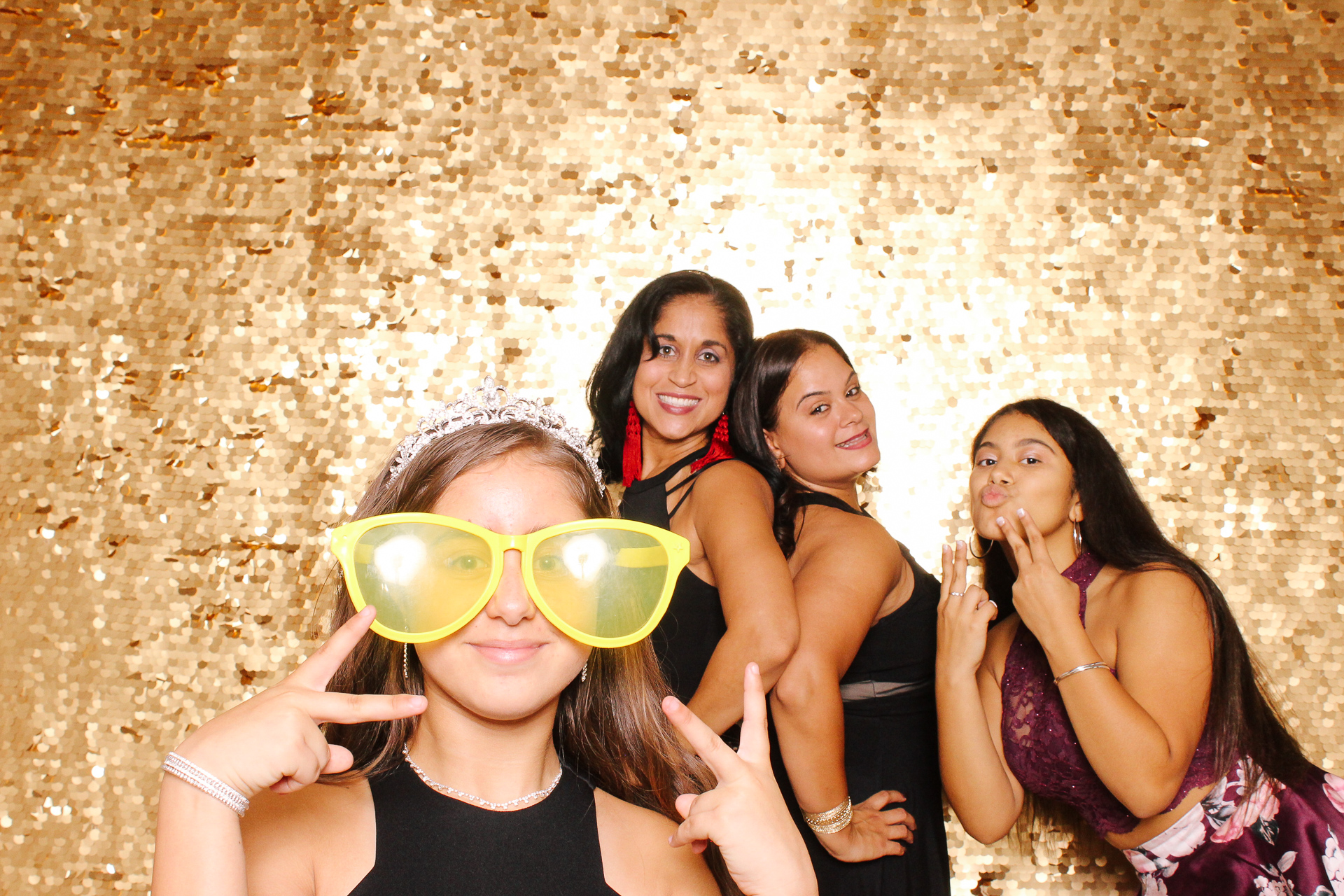 00283 Best Quinceanera Photobooth in Cleveland.jpg
