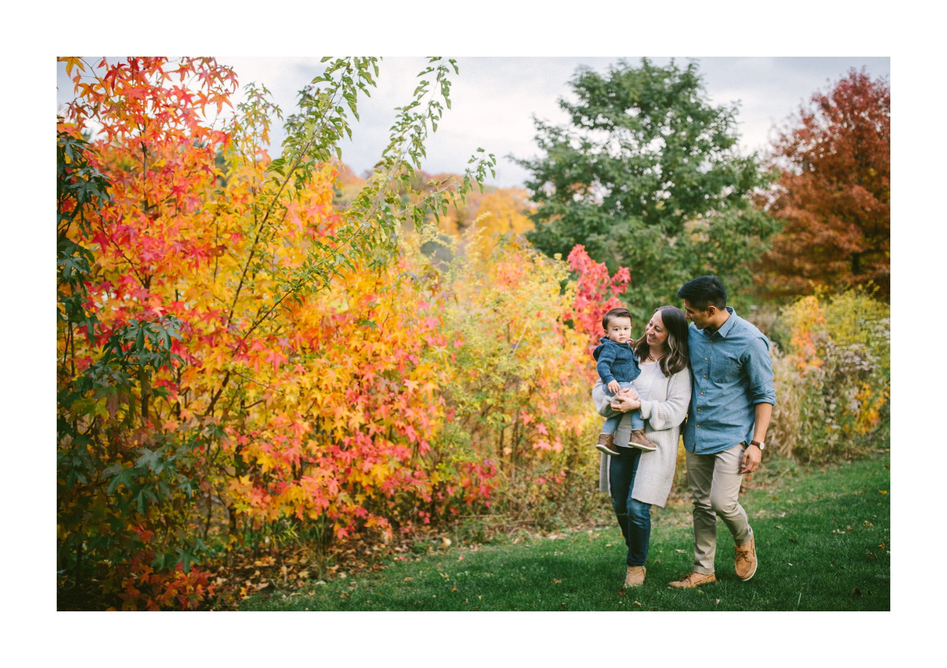 Fall Family Portrait Photographer in Rocky River Ohio 2.jpg
