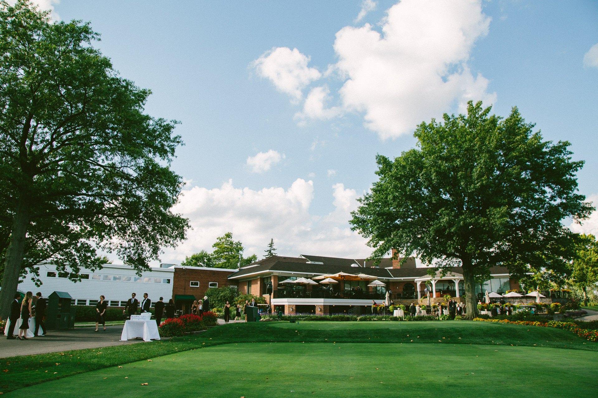 Beechmont Country Club Wedding Photographer in Beachwood 2 6.jpg