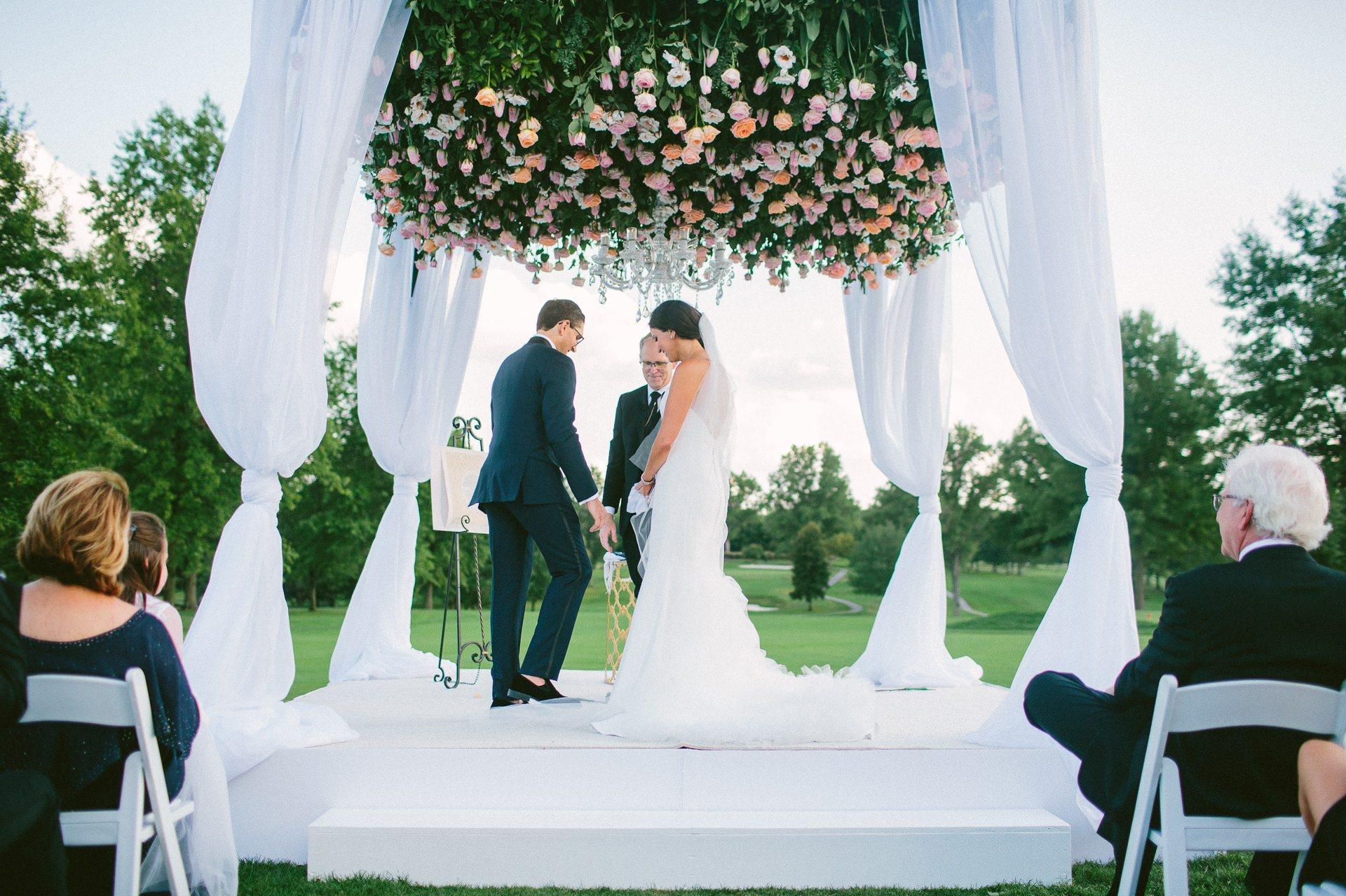 Beechmont Country Club Wedding Photographer in Beachwood 2 33.jpg