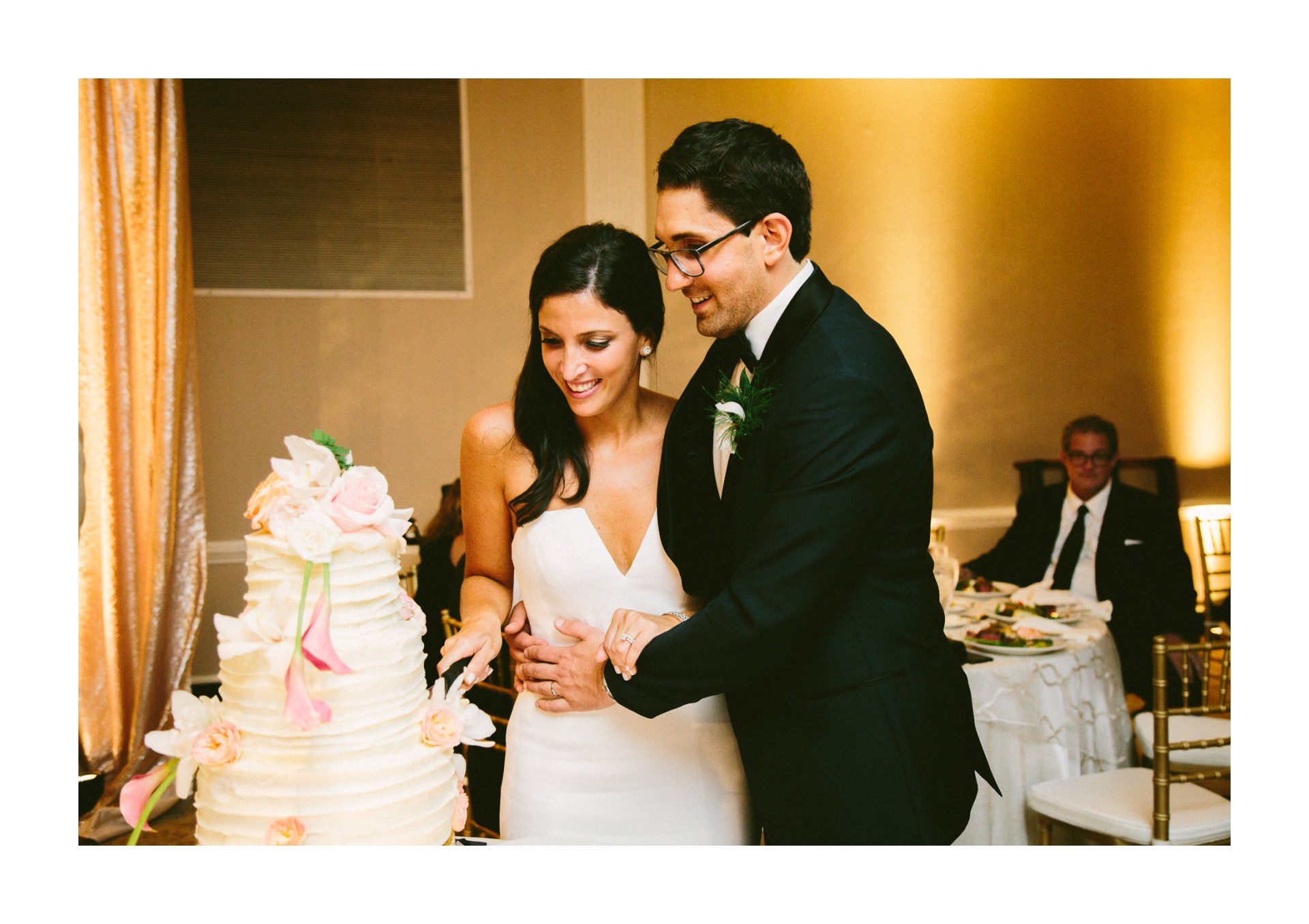 Beechmont Country Club Wedding Photographer in Beachwood 3 11.jpg