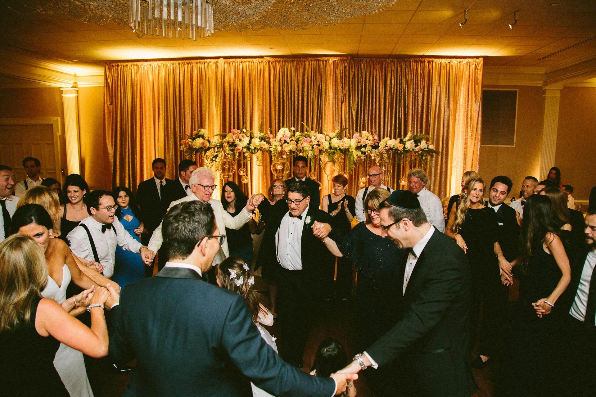 Beechmont Country Club Wedding Photographer in Beachwood 3 16.jpg
