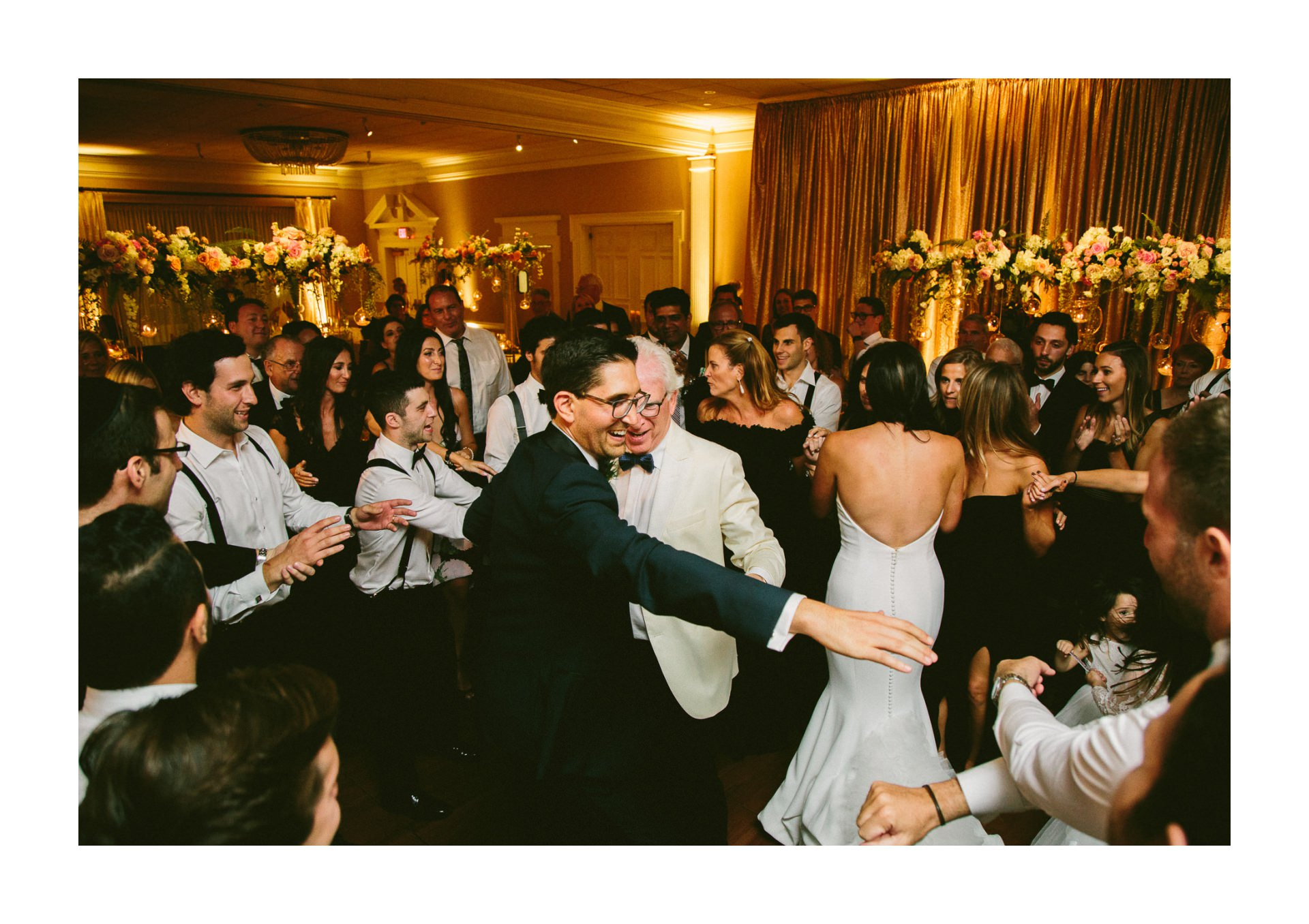 Beechmont Country Club Wedding Photographer in Beachwood 3 19.jpg