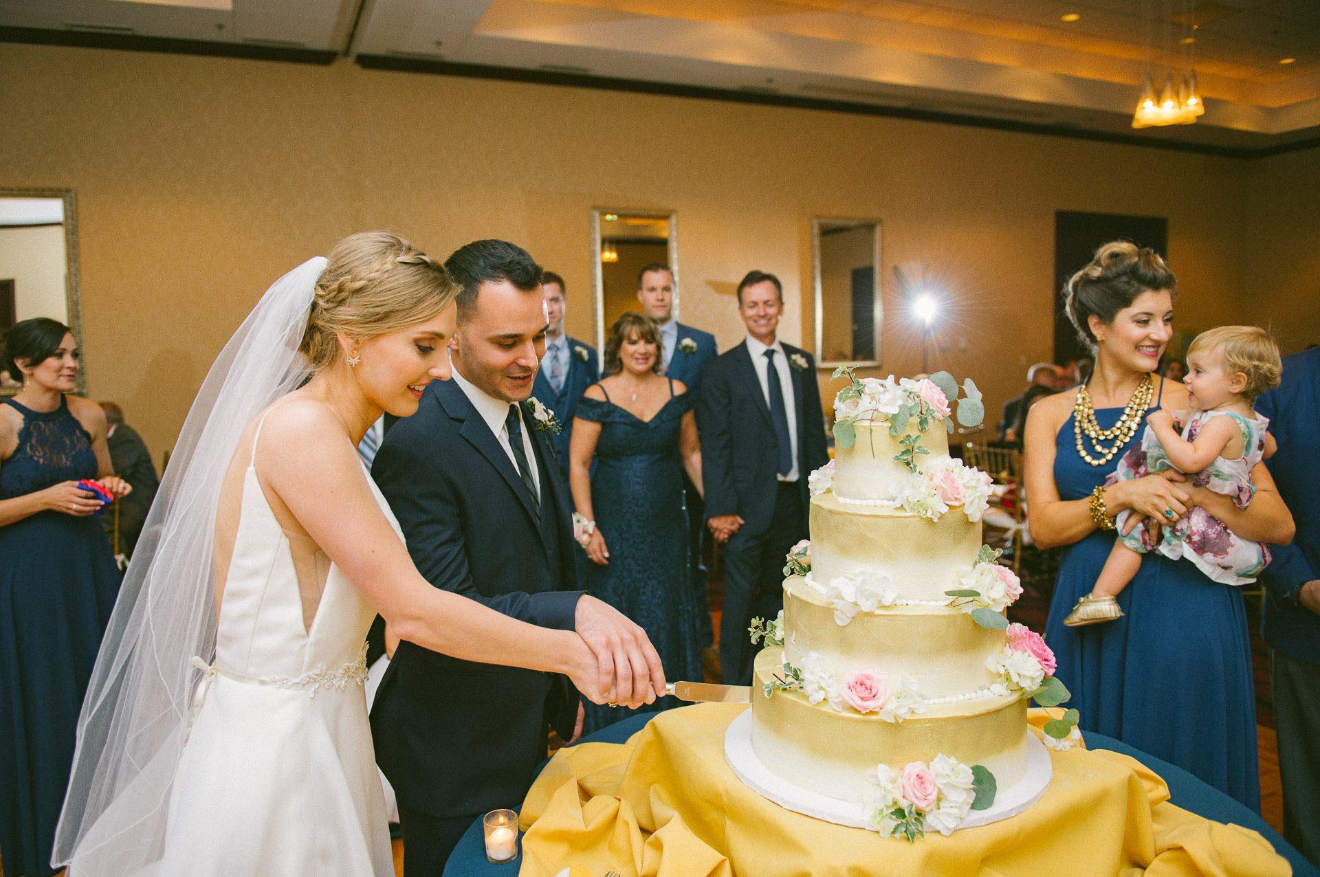 Bertram Inn Wedding Photographer in Aurora 2 17.jpg