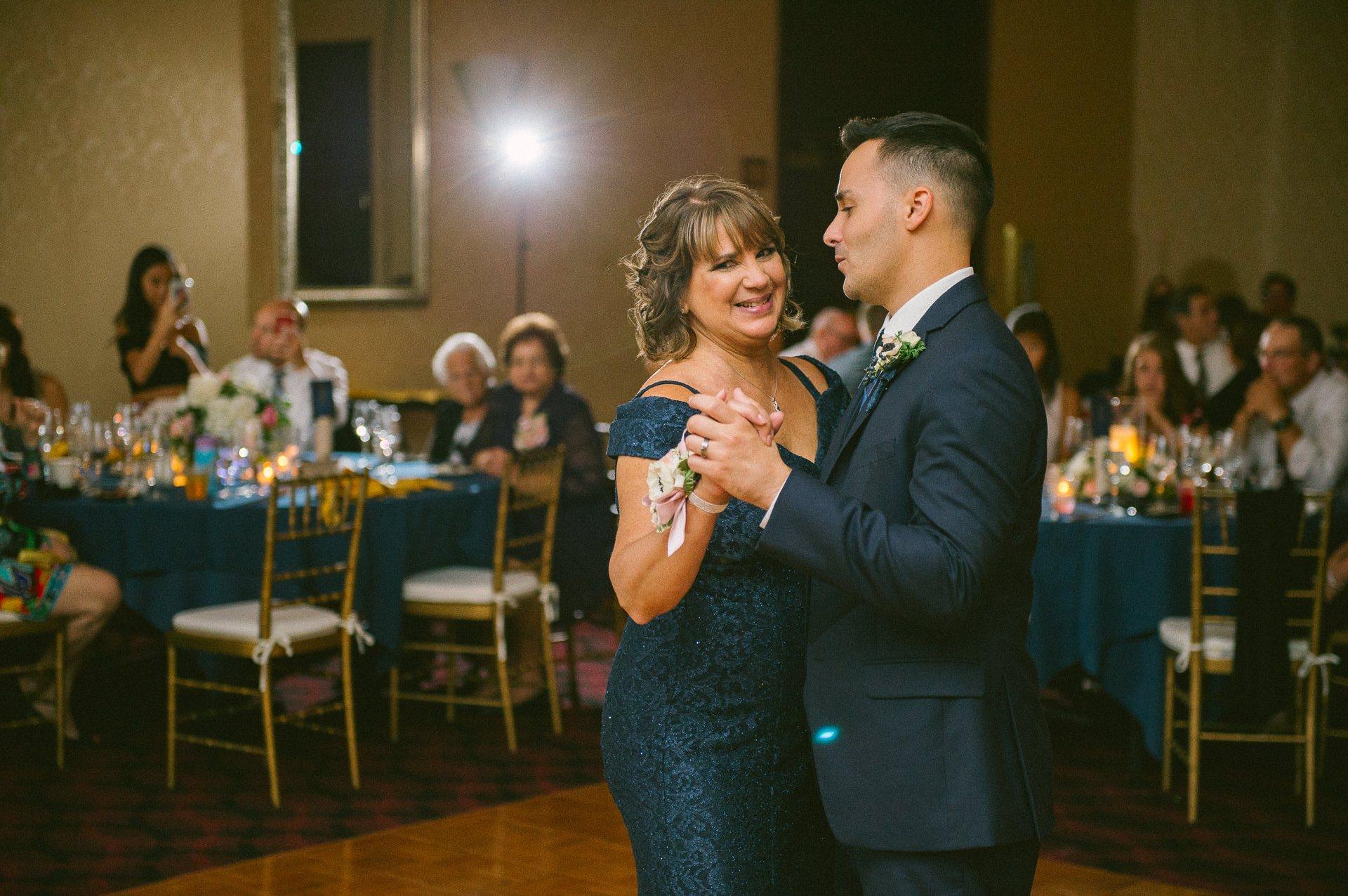 Bertram Inn Wedding Photographer in Aurora 2 26.jpg