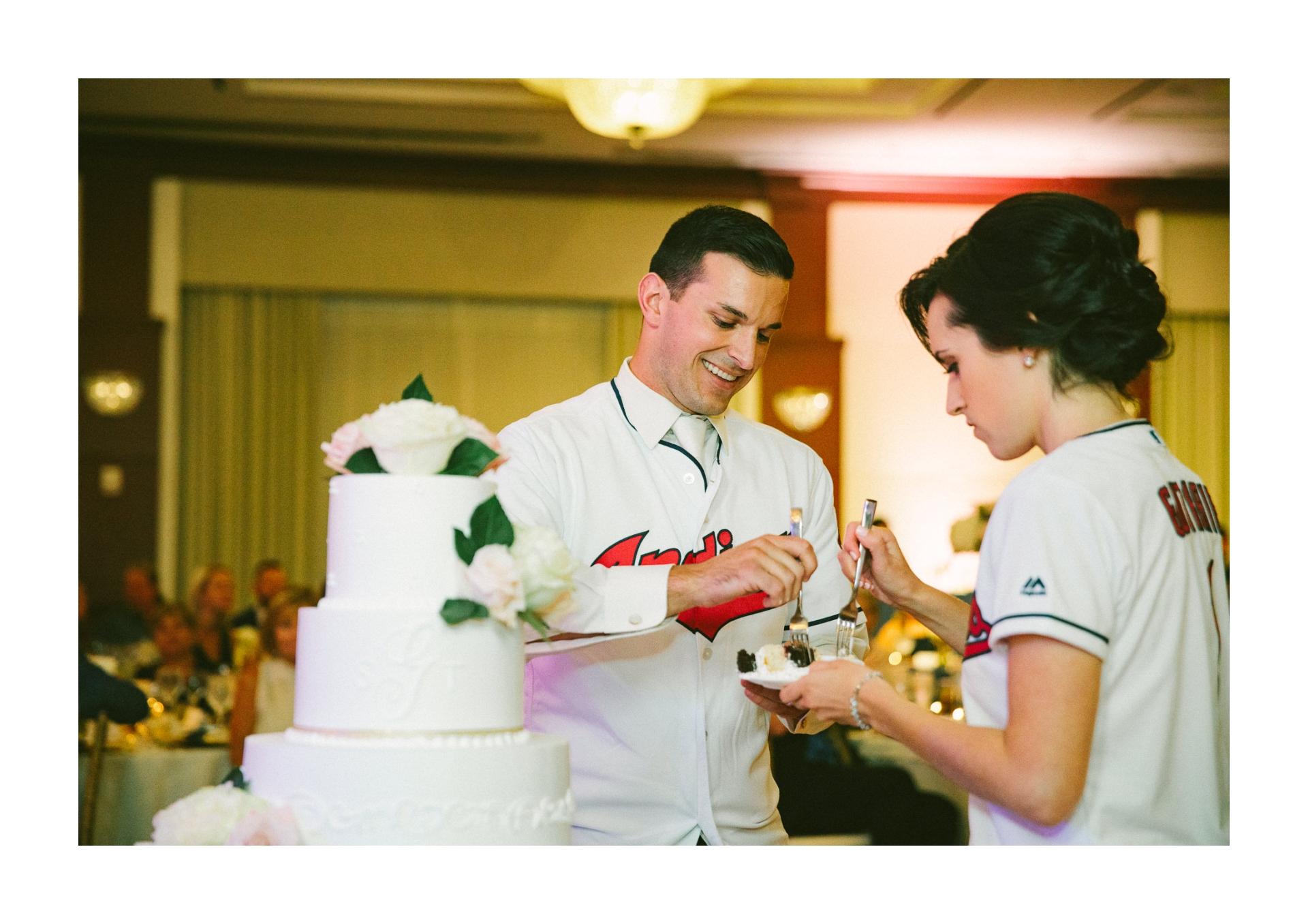 Intercontinental Hotel Wedding in Cleveland 2 32.jpg