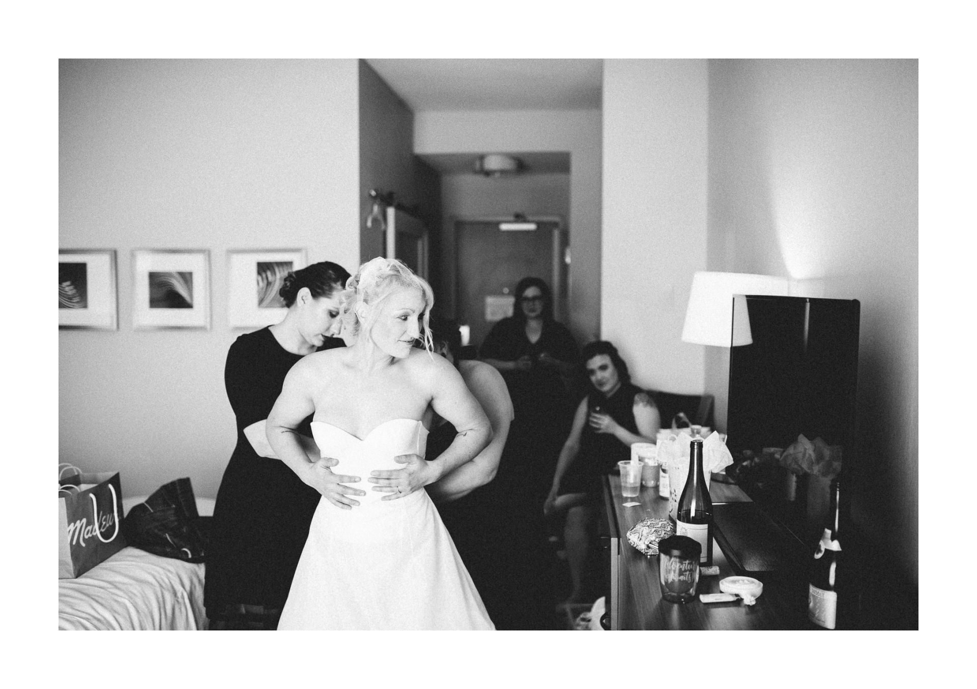Goldhorn Brewery Wedding Photos in Cleveland 1 10.jpg