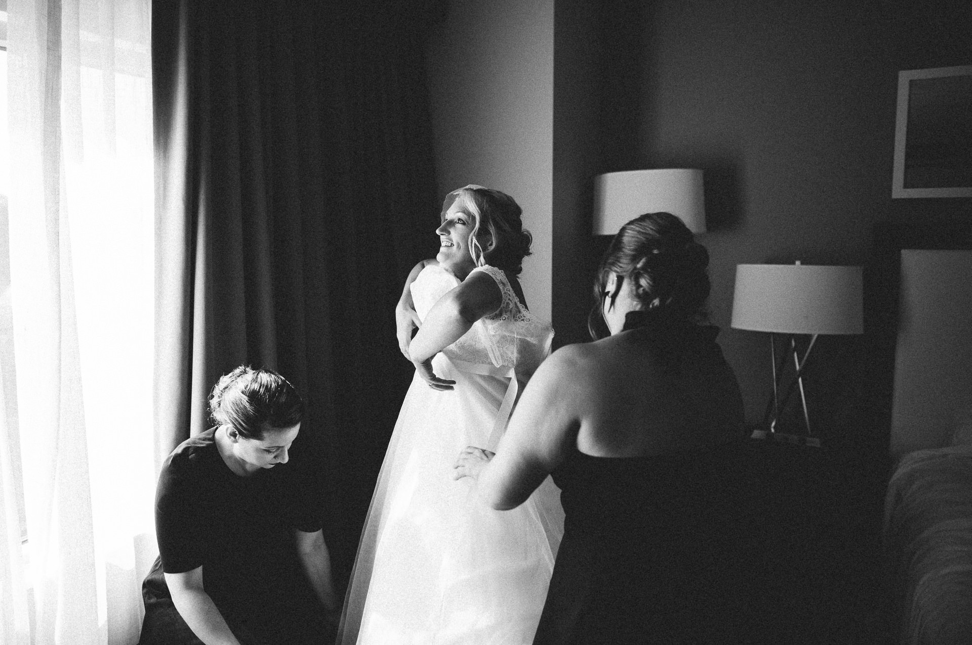 Goldhorn Brewery Wedding Photos in Cleveland 1 11.jpg
