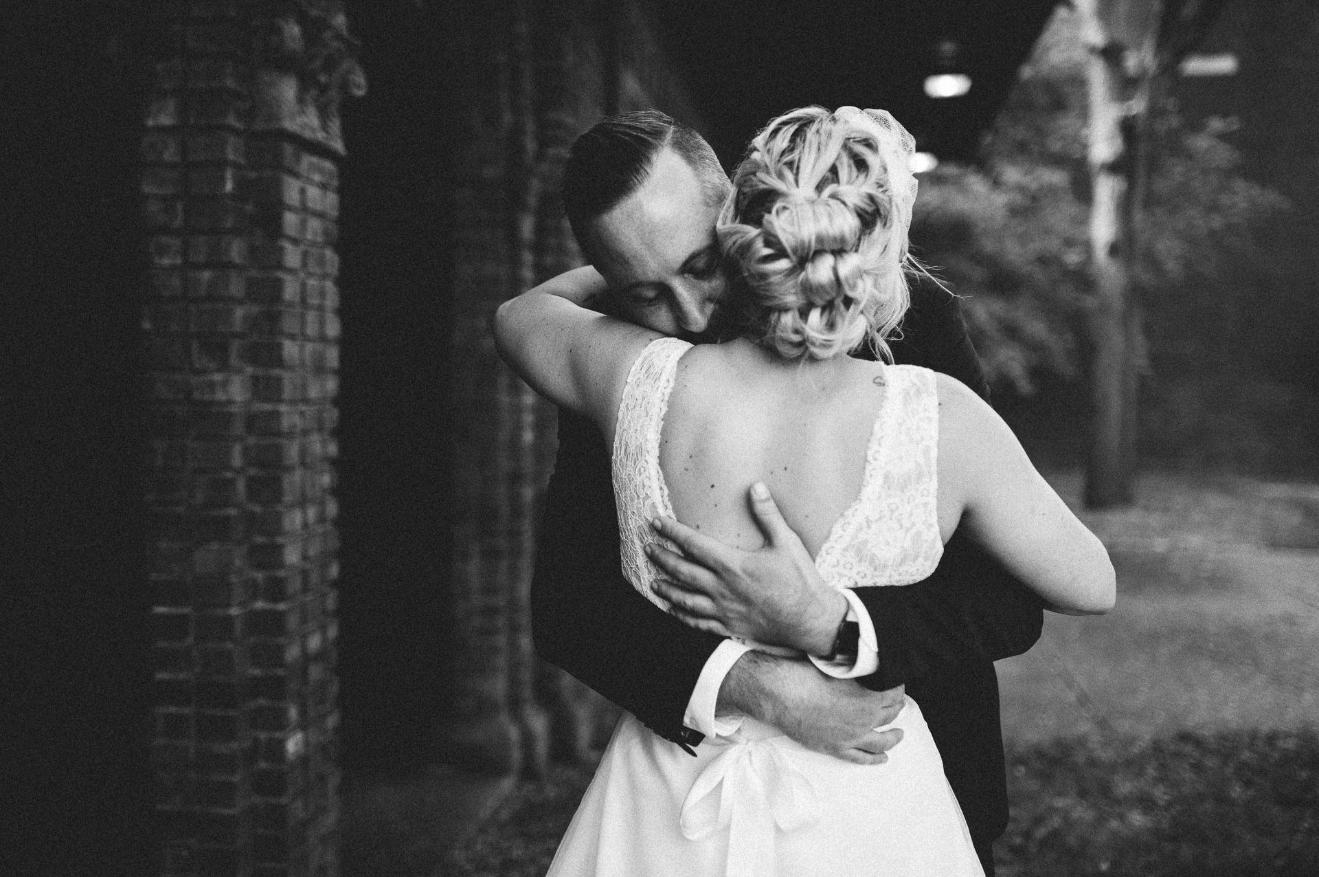 Goldhorn Brewery Wedding Photos in Cleveland 1 31.jpg