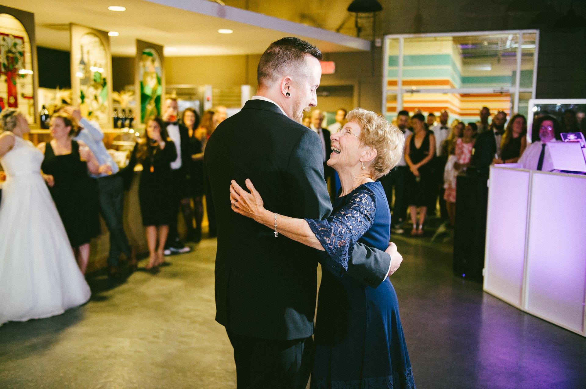 Goldhorn Brewery Wedding Photos in Cleveland 2 40.jpg