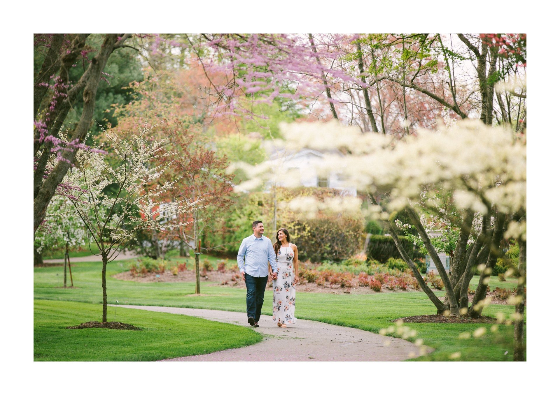 Cleveland Botanical Gardens Engagement Photos 4.jpg