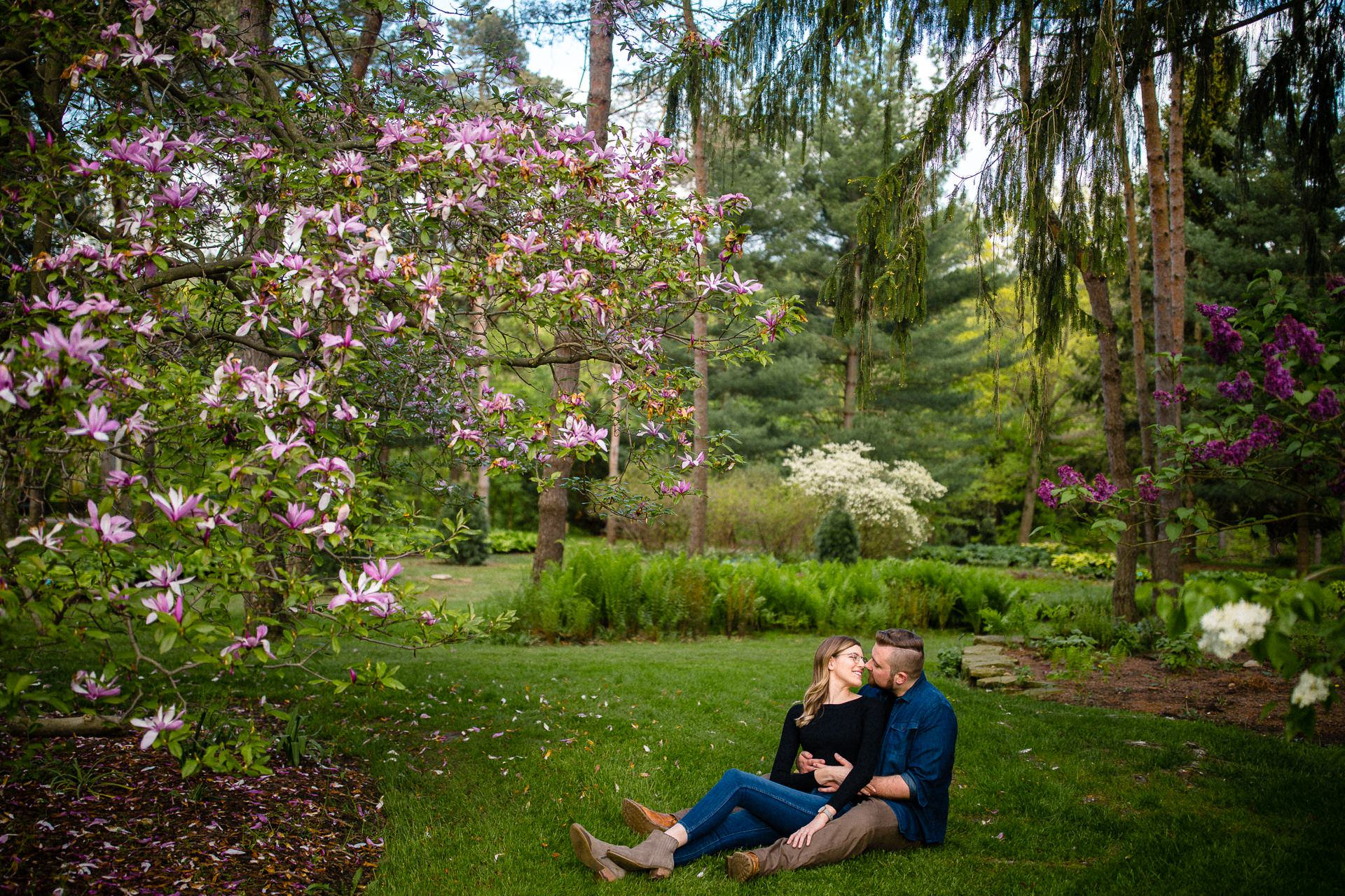 Spring Cleveland Botanical Gardens Engagement Photos 8.jpg