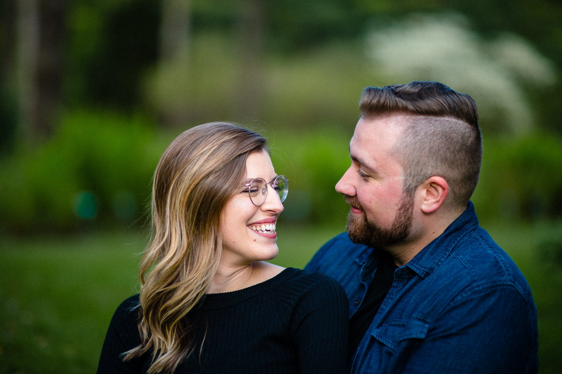 Spring Cleveland Botanical Gardens Engagement Photos 10.jpg