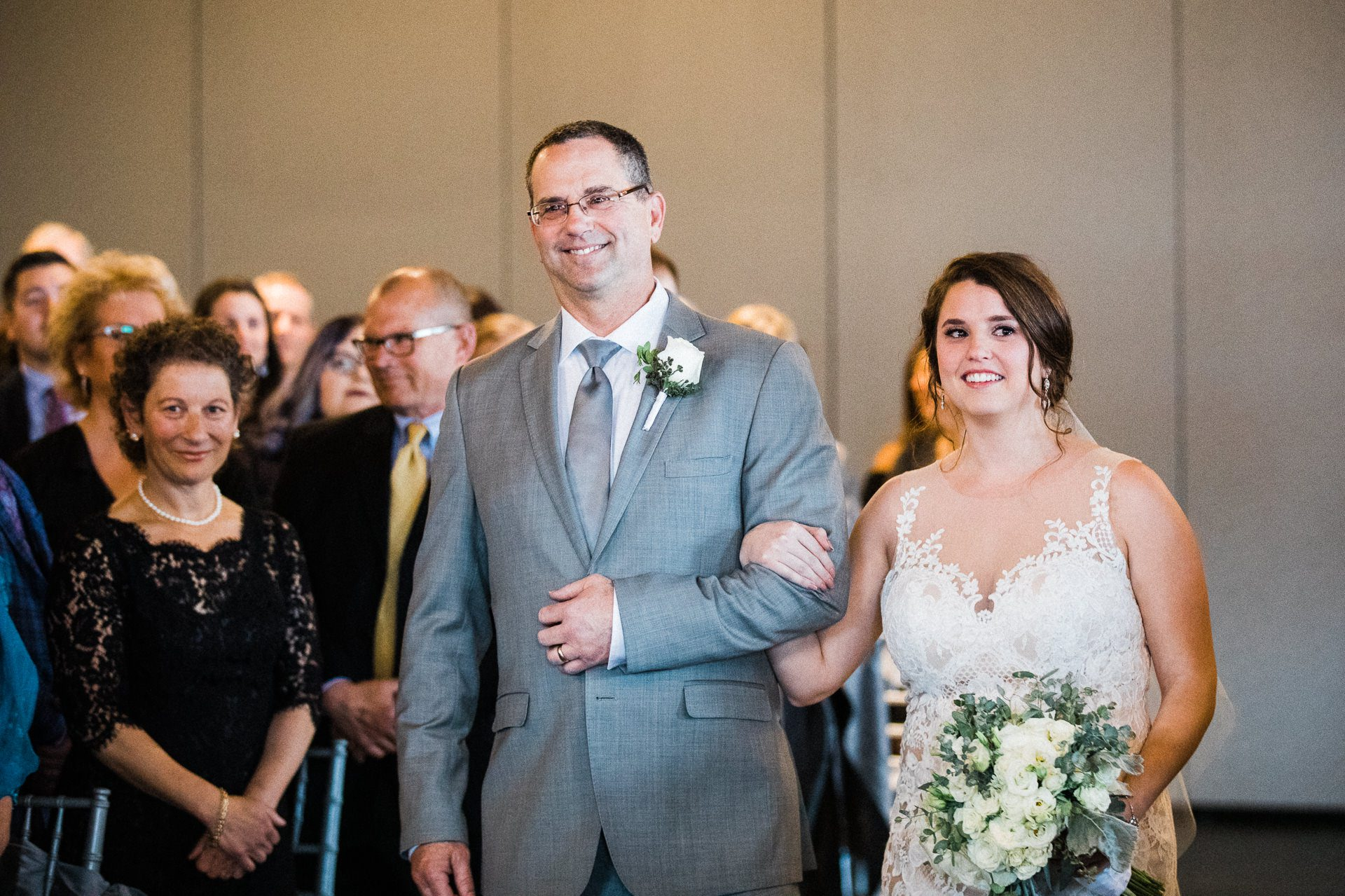 Windows on the River Cleveland Wedding Photographer 2 4.jpg