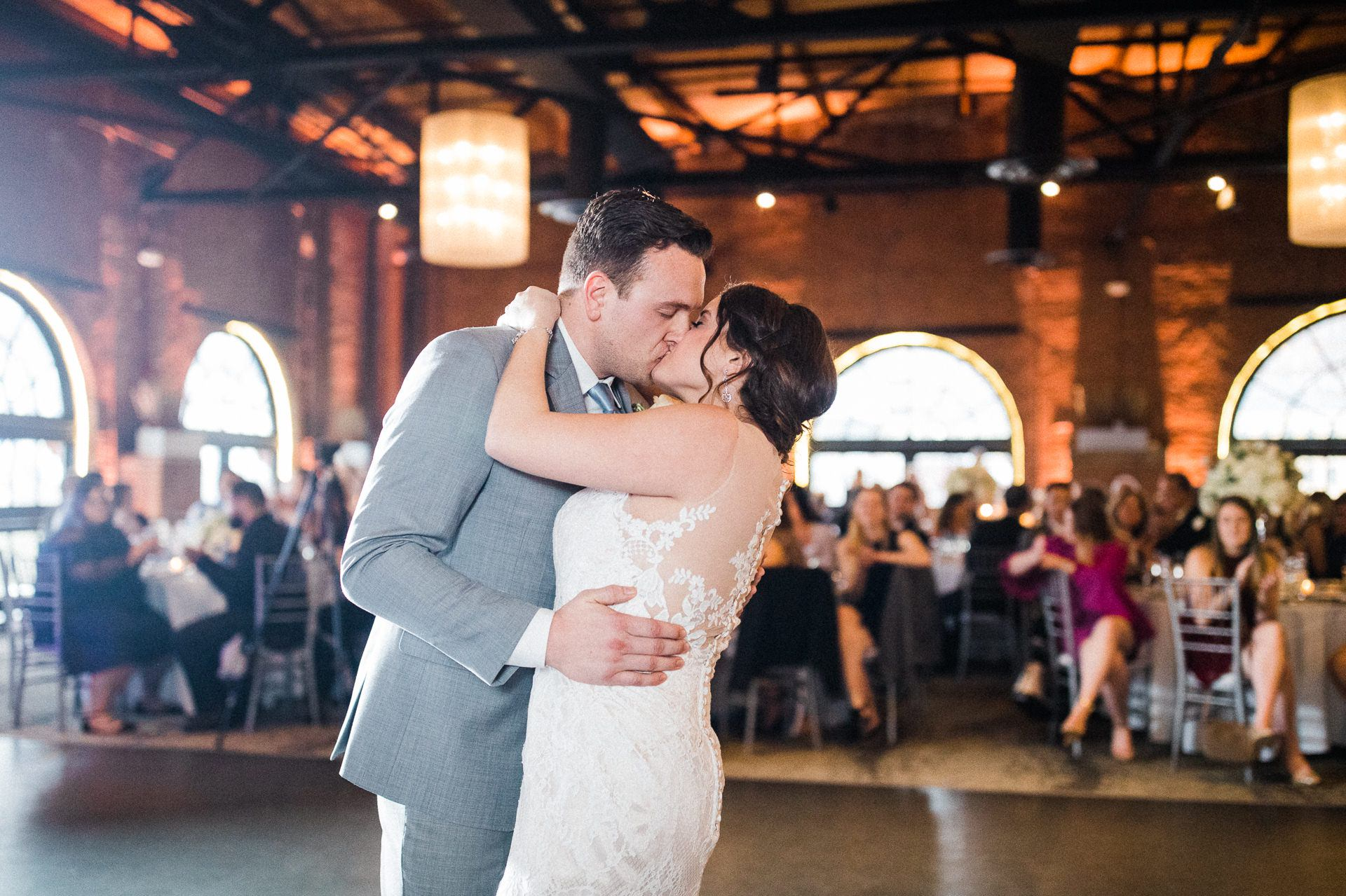 Windows on the River Cleveland Wedding Photographer 2 18.jpg