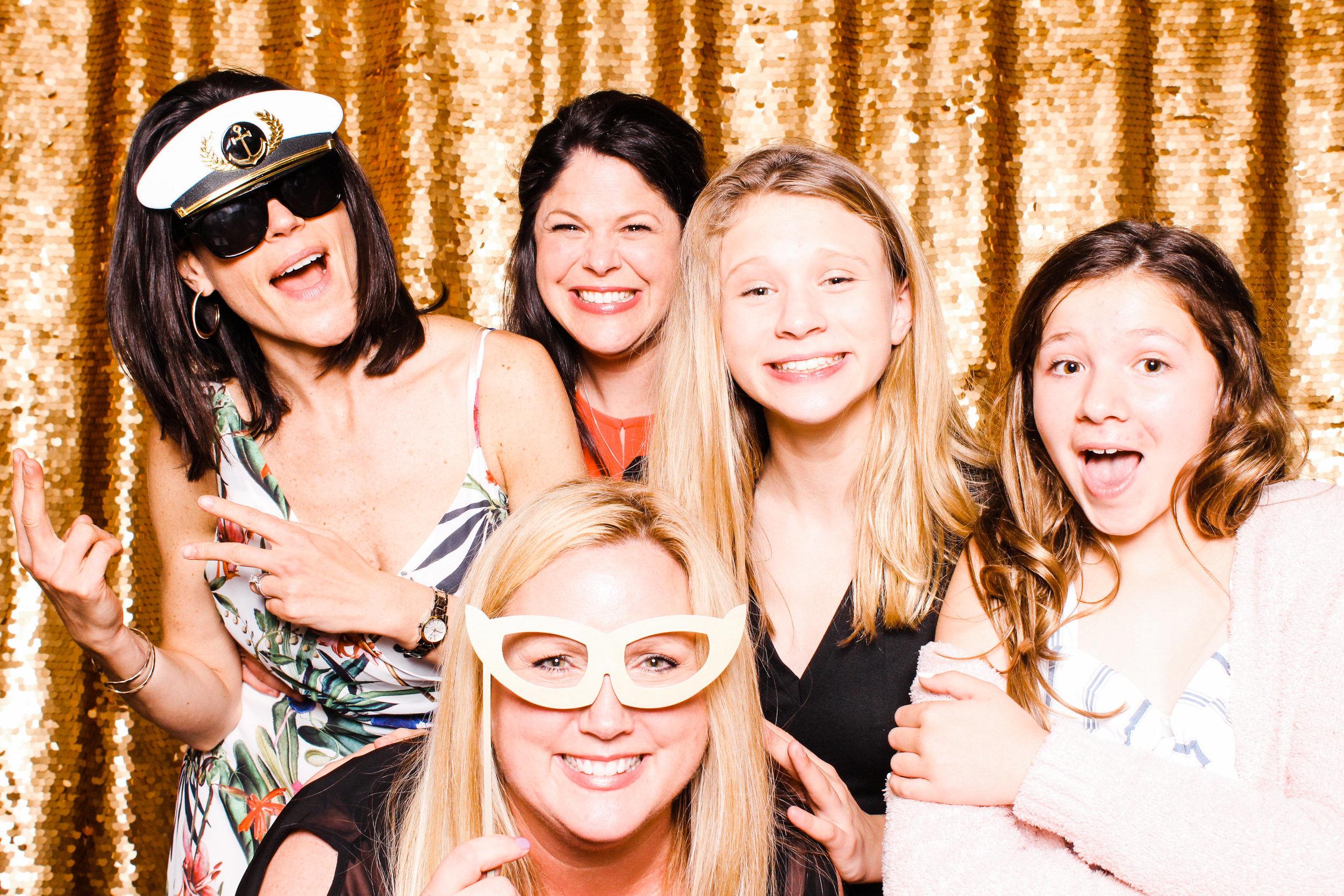 0119 Best Cleveland Photobooth Company.jpg