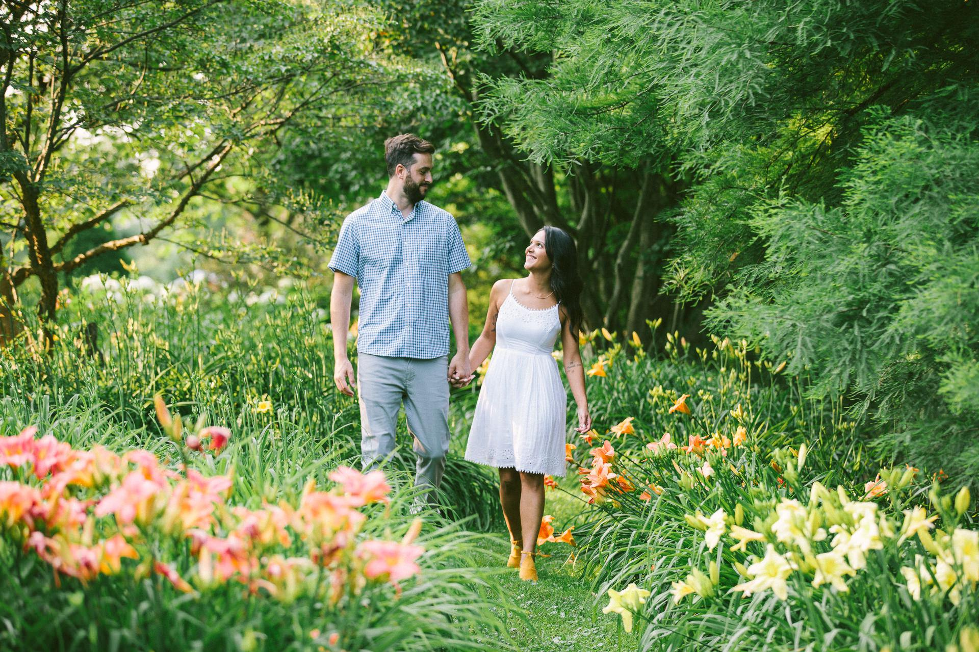 Cleveland Metroparks Engagement Photos 5.jpg