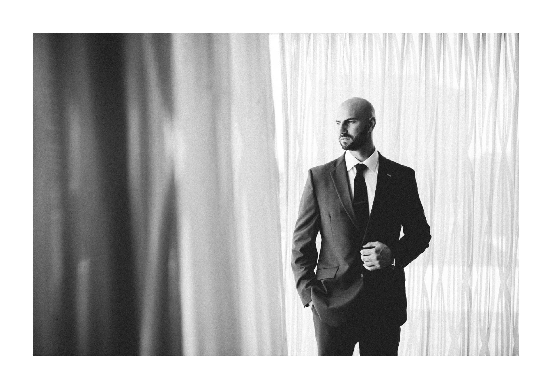 Dowtown Hilton Cleveland Wedding Photographer 1 11.jpg