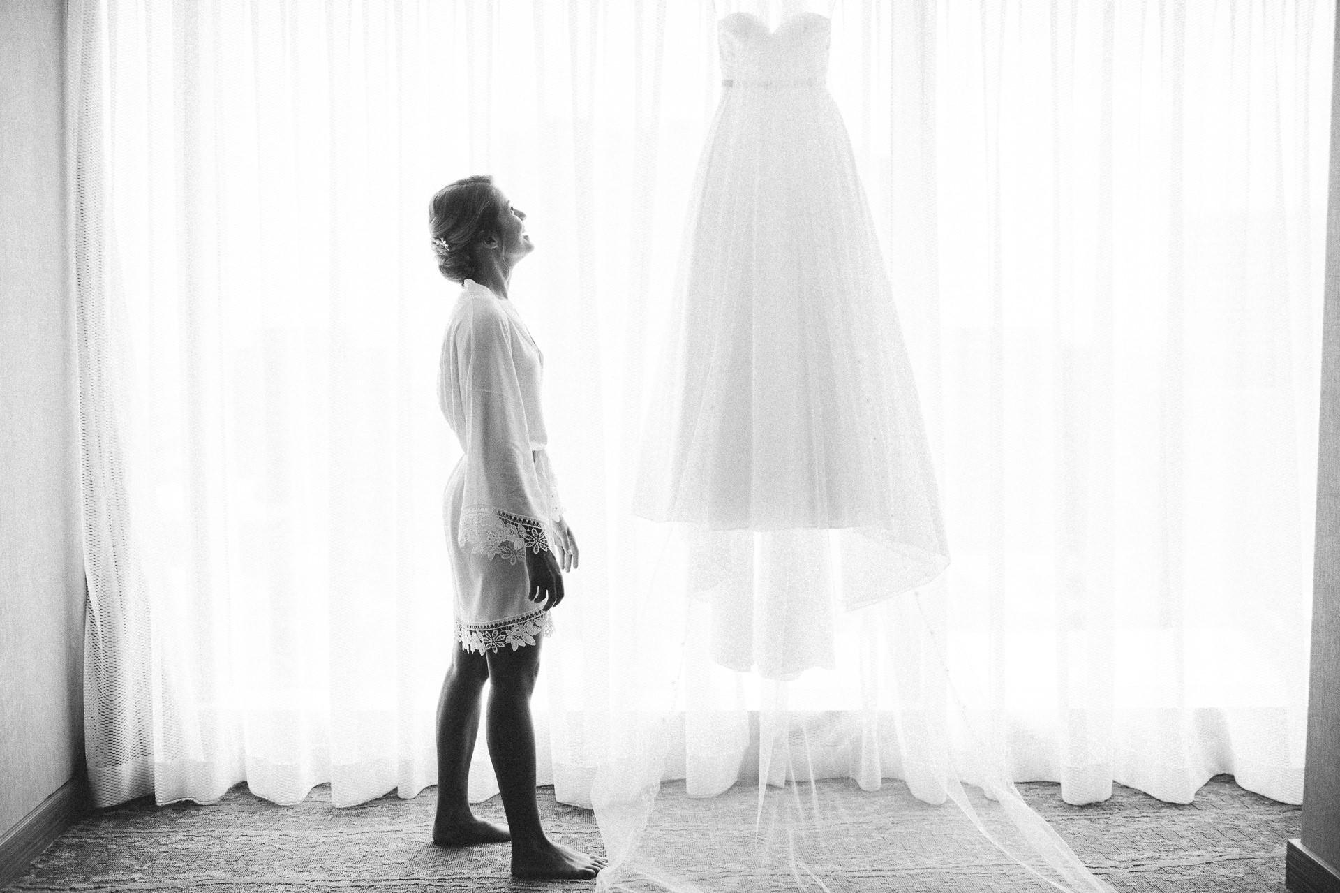 Dowtown Hilton Cleveland Wedding Photographer 1 15.jpg