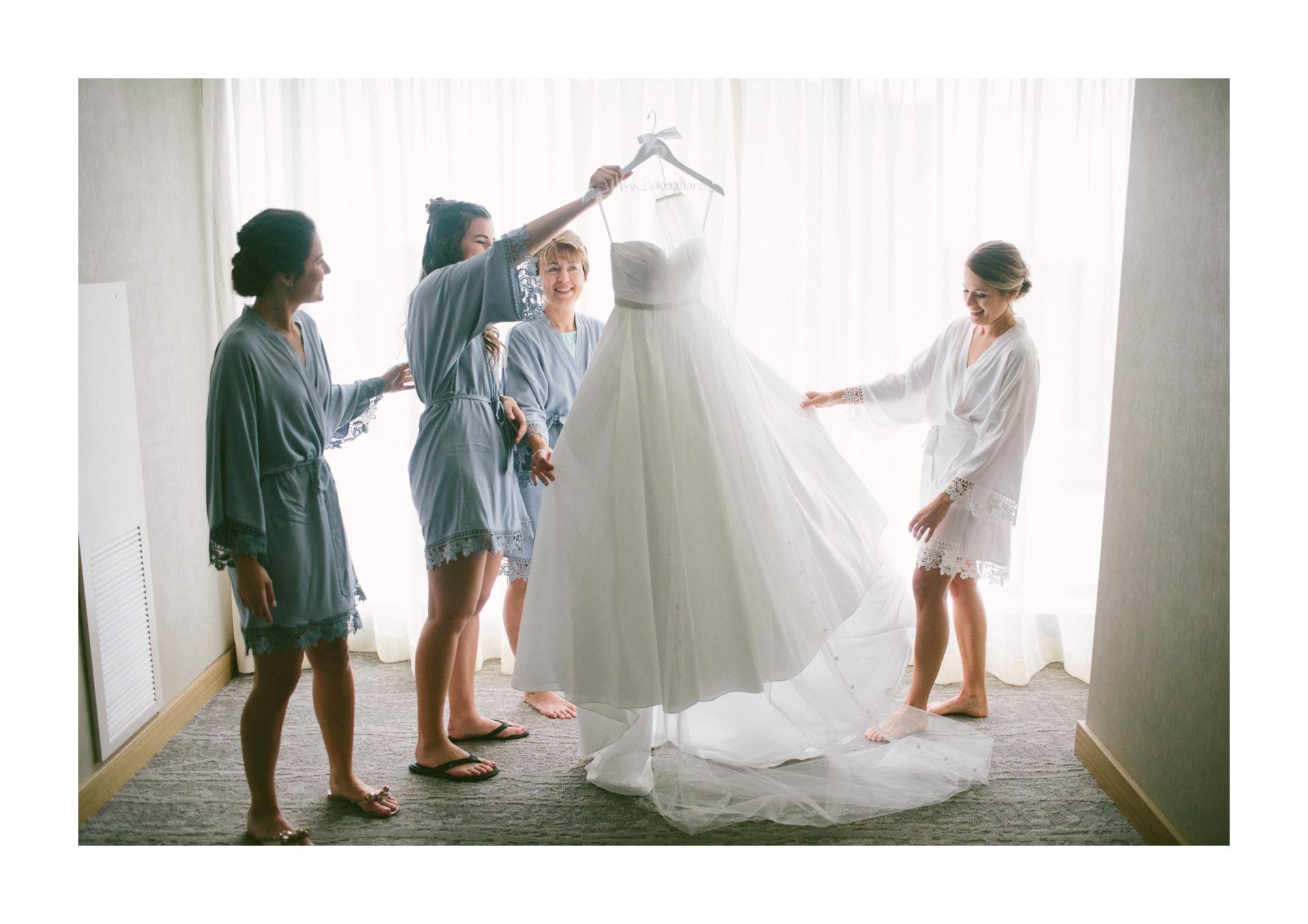 Dowtown Hilton Cleveland Wedding Photographer 1 16.jpg