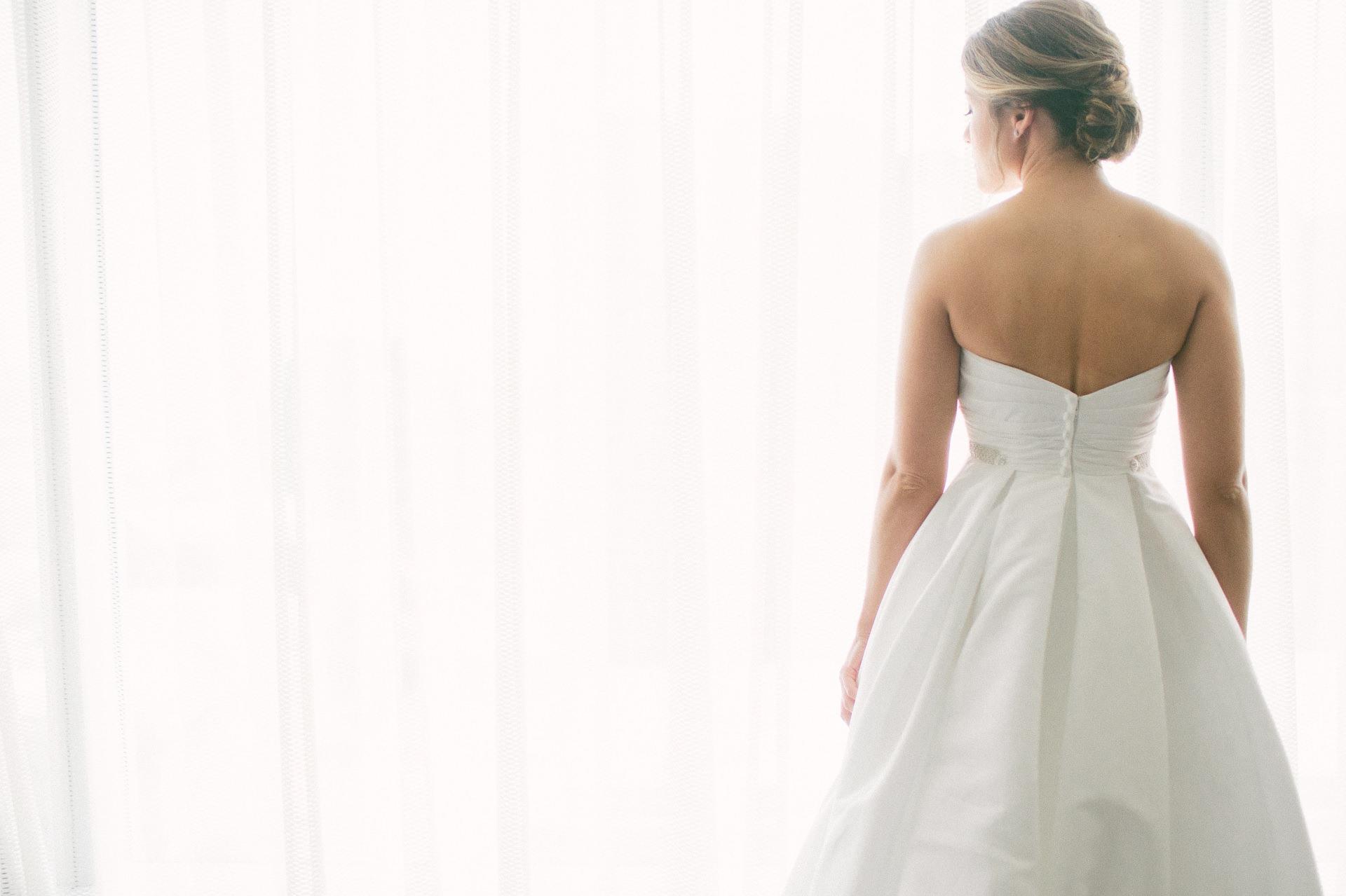 Dowtown Hilton Cleveland Wedding Photographer 1 21.jpg