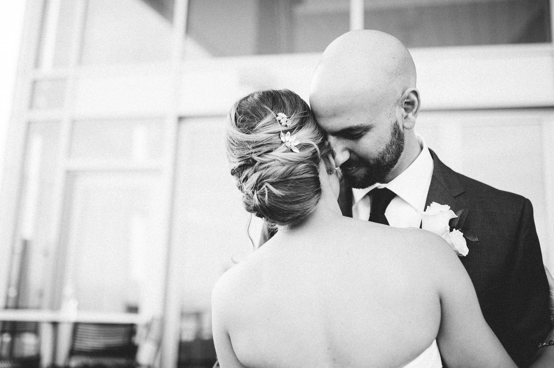 Dowtown Hilton Cleveland Wedding Photographer 1 30.jpg