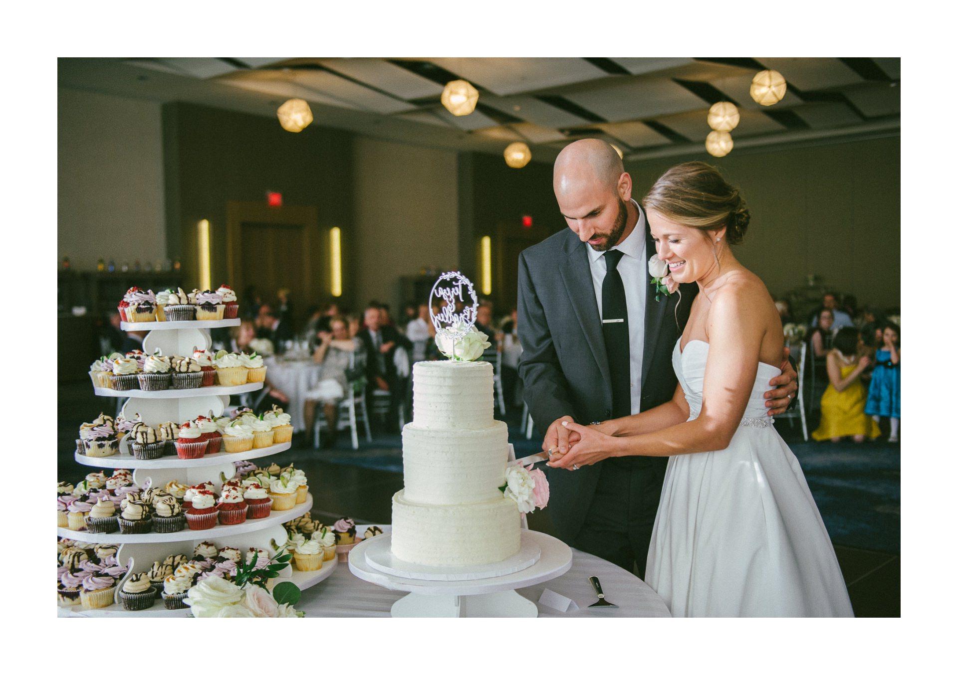Dowtown Hilton Cleveland Wedding Photographer 2 22.jpg