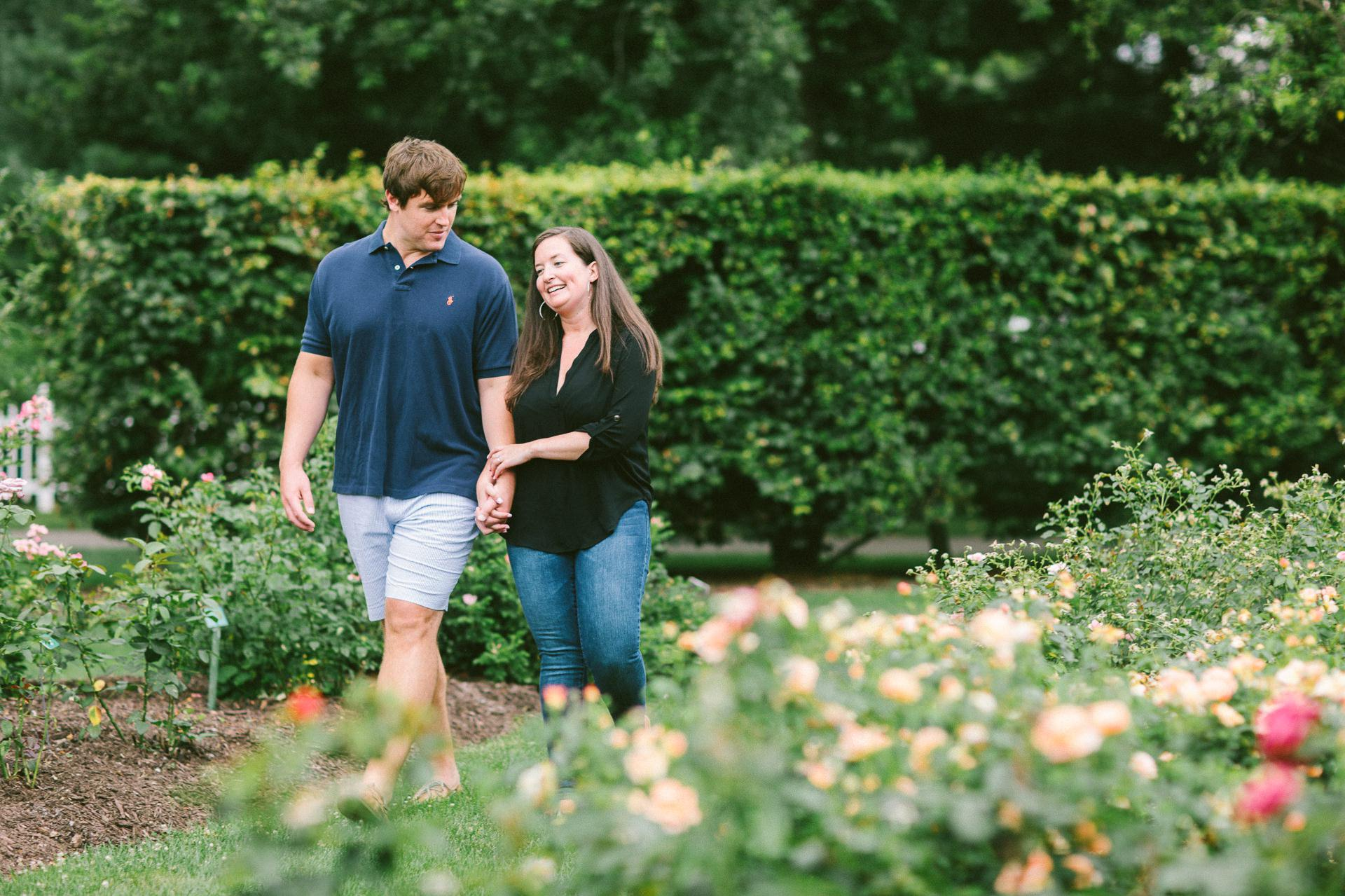 Cleveland Botanical Gardens Engagement Photos 16.jpg