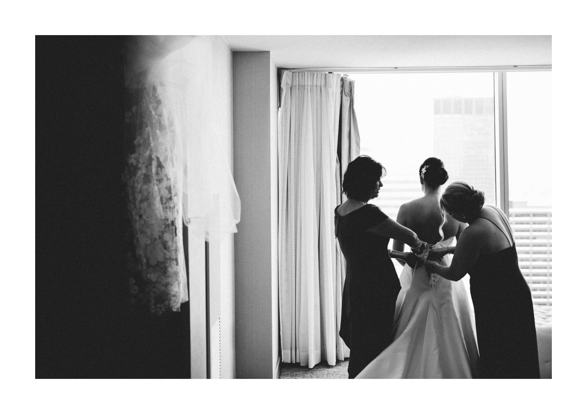 Playhouse State Theater Wedding Photographer in Cleveland 1 13.jpg