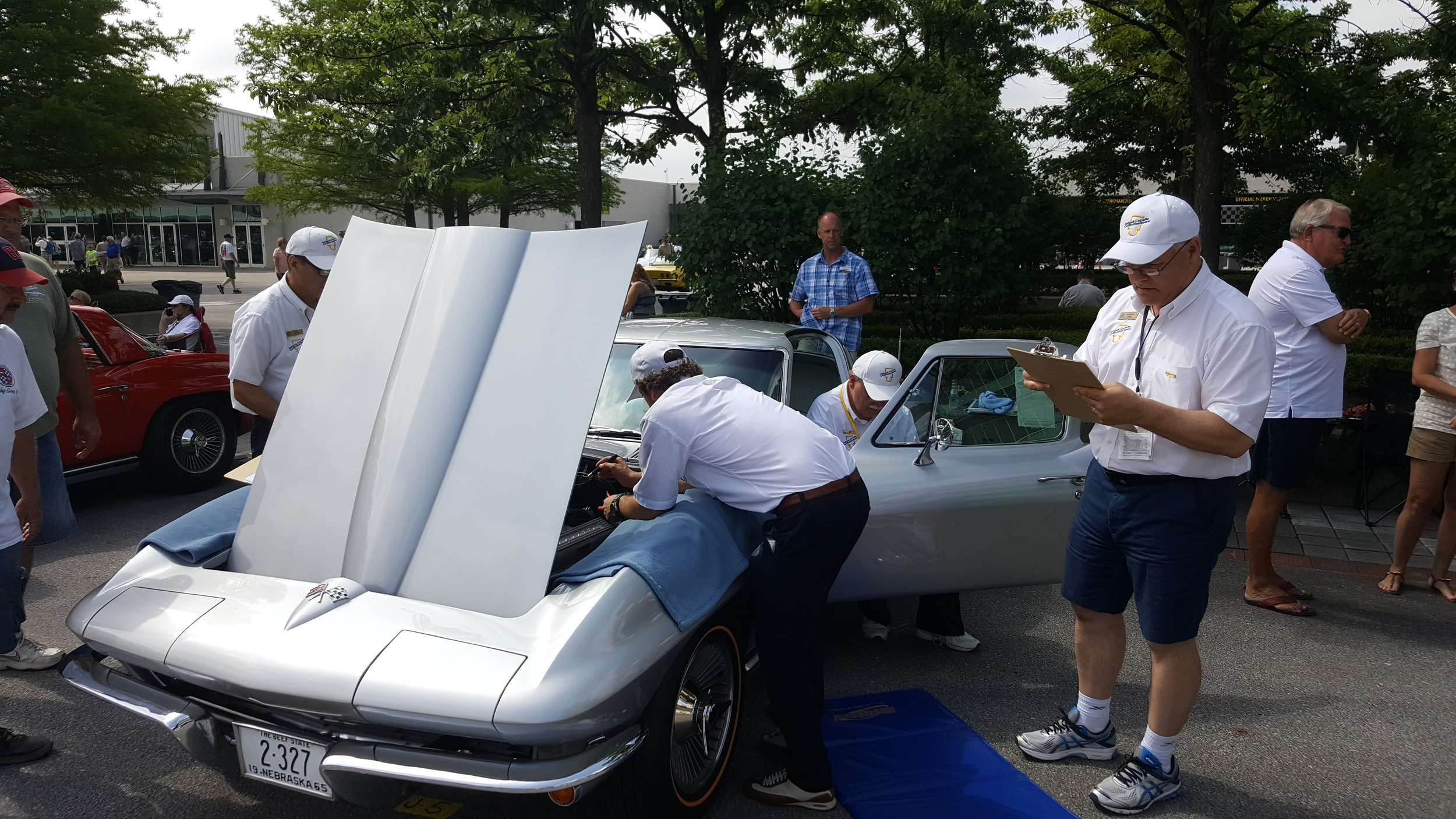 Mark's '65 getting judged