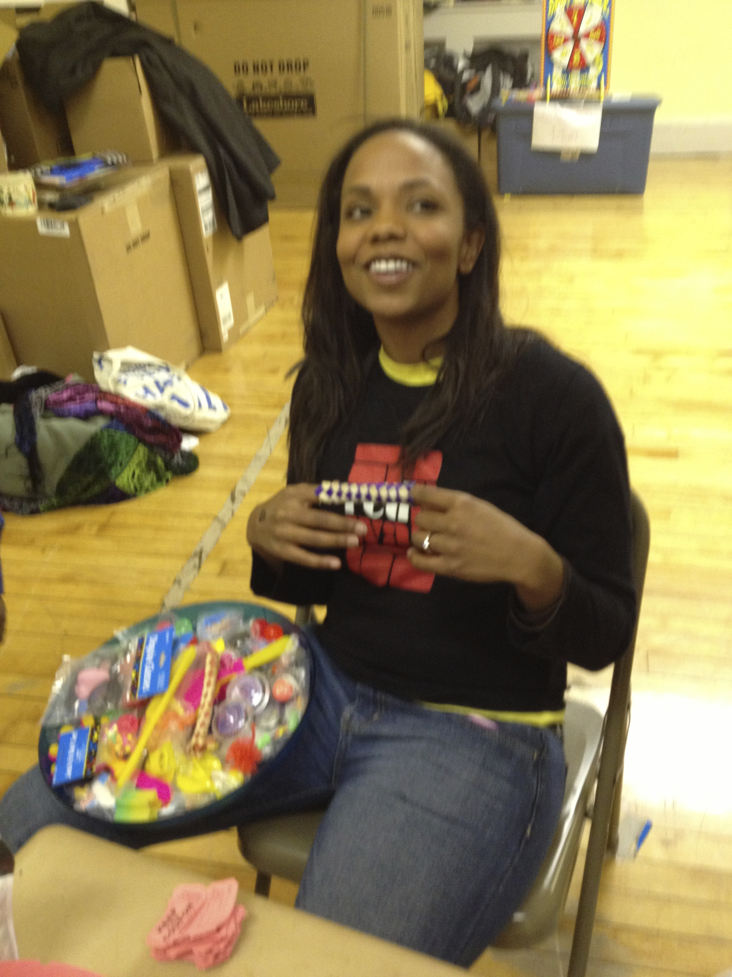 Laren Hooper Helps RWP help PS51 Book Fair