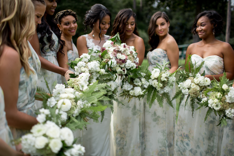 Airlie Gardens Wedding 13.jpg