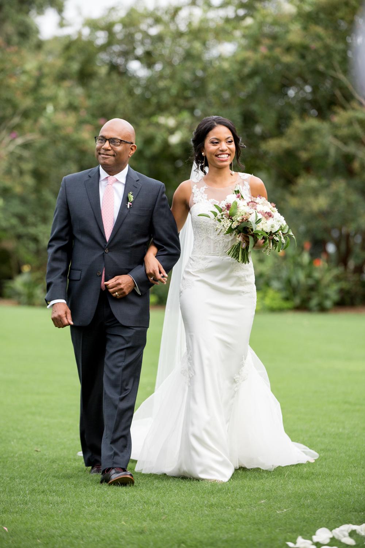 Airlie Gardens Wedding 22.jpg