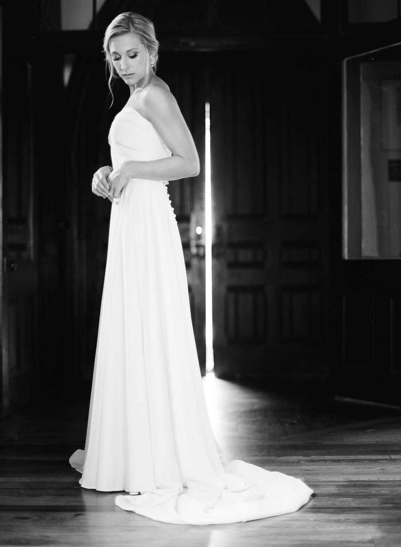 Film Photographer Wedding 01.jpg