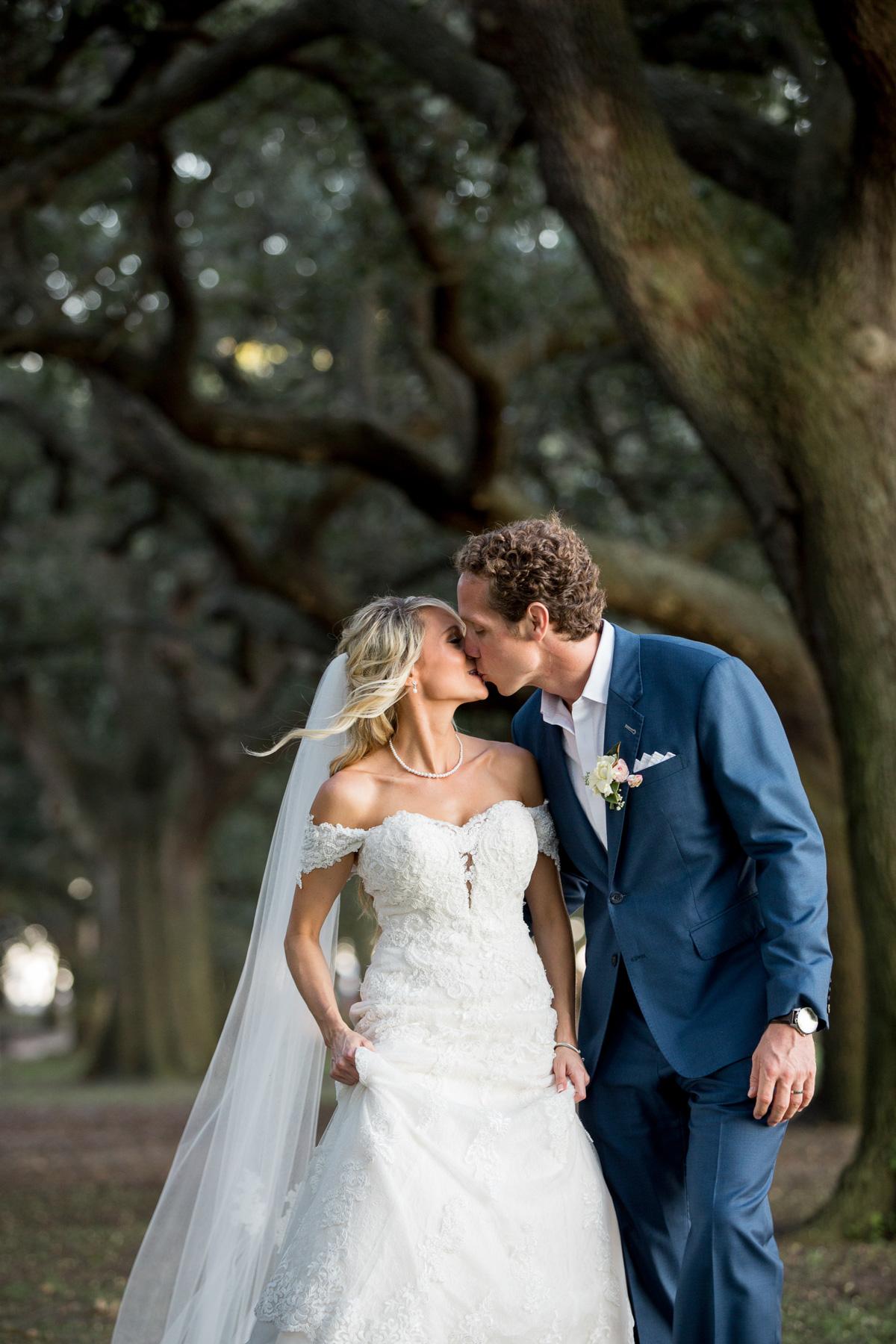 Charleston-best-wedding-photographer-SC-33.jpg