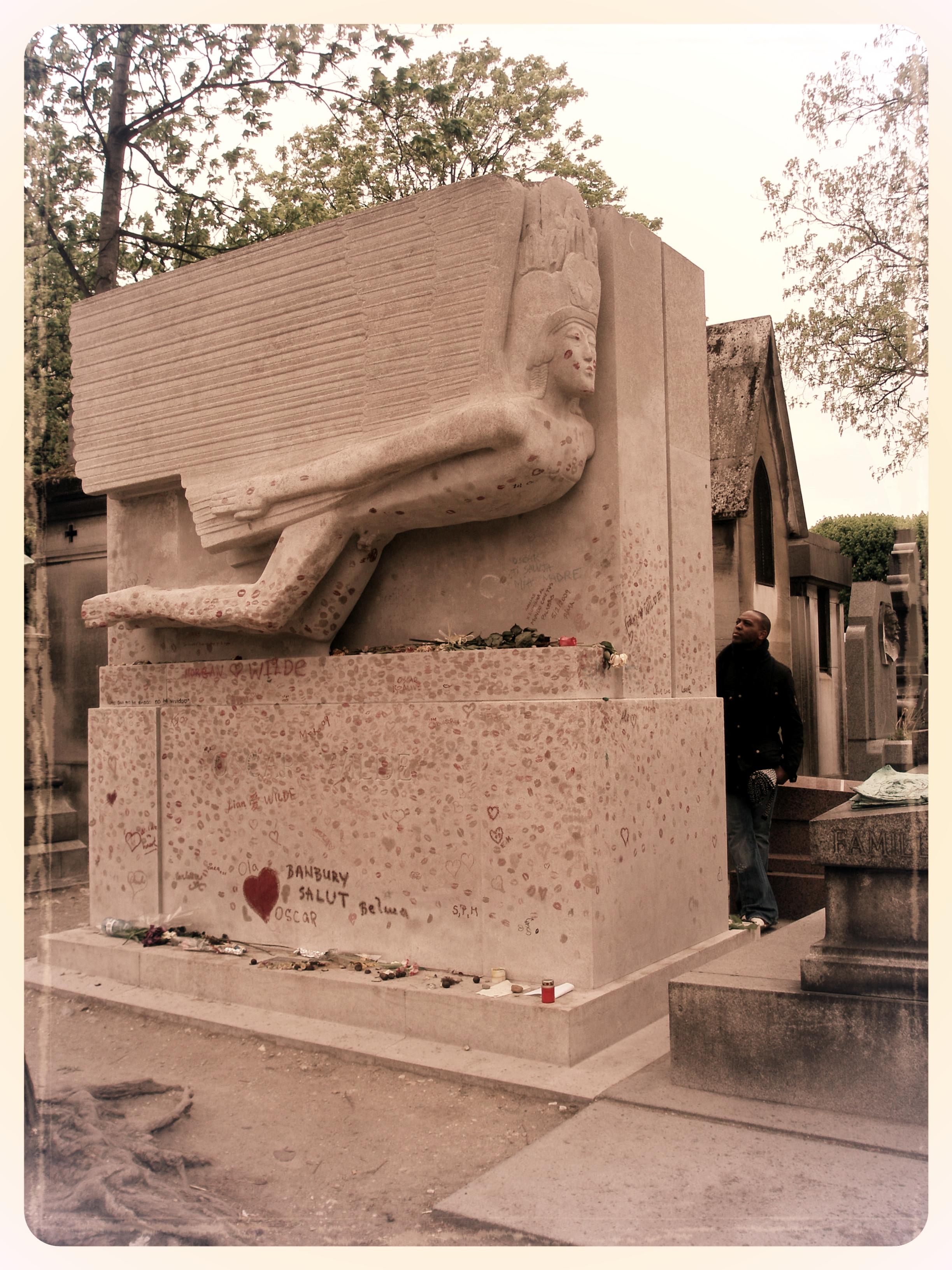 Oscar Wilde's grave at P è re Lachaise Cemetery