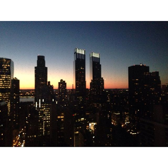 #newyork #goodvibes #nofilter ☀️ the two columns are the time warner center, Hearst building to far left