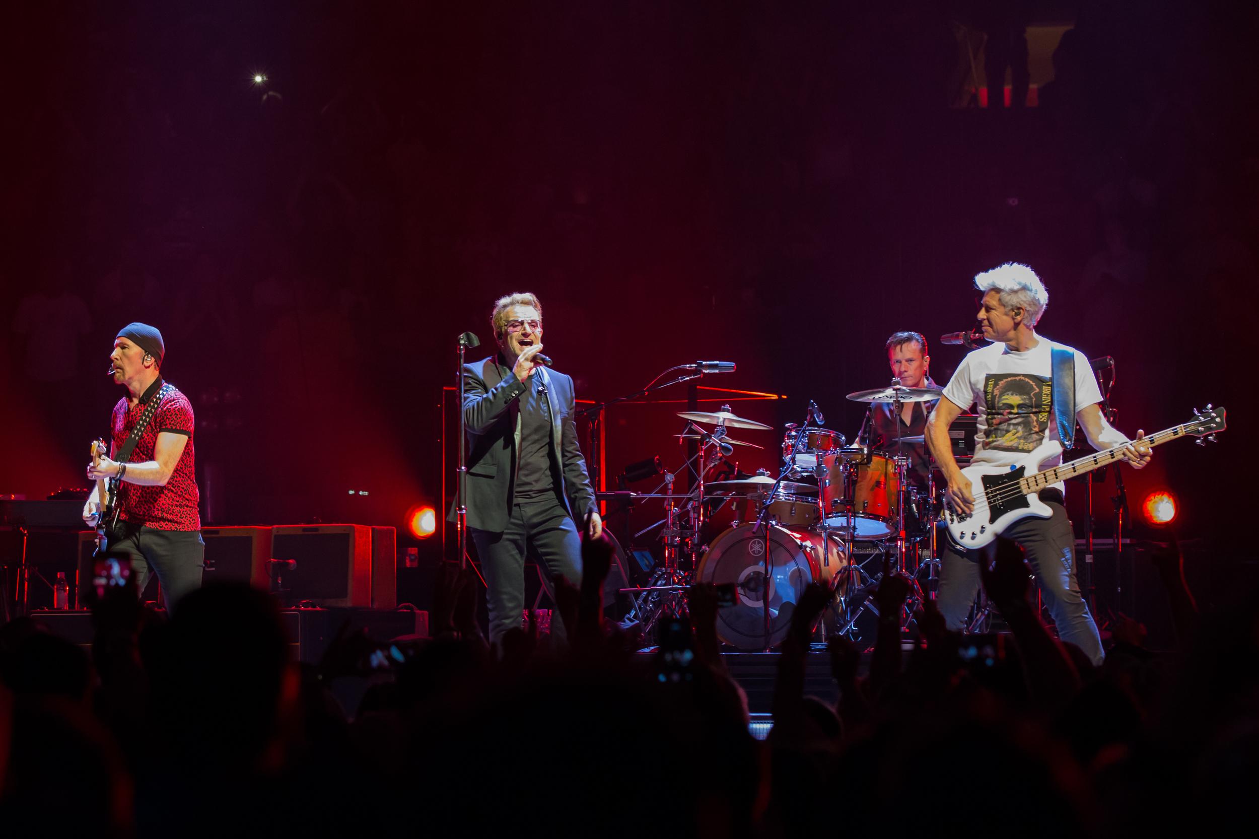 U2 / Mark Peterson / U2Tourfans