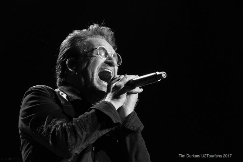 Bono/ Tim Durkan /U2TOURFANS