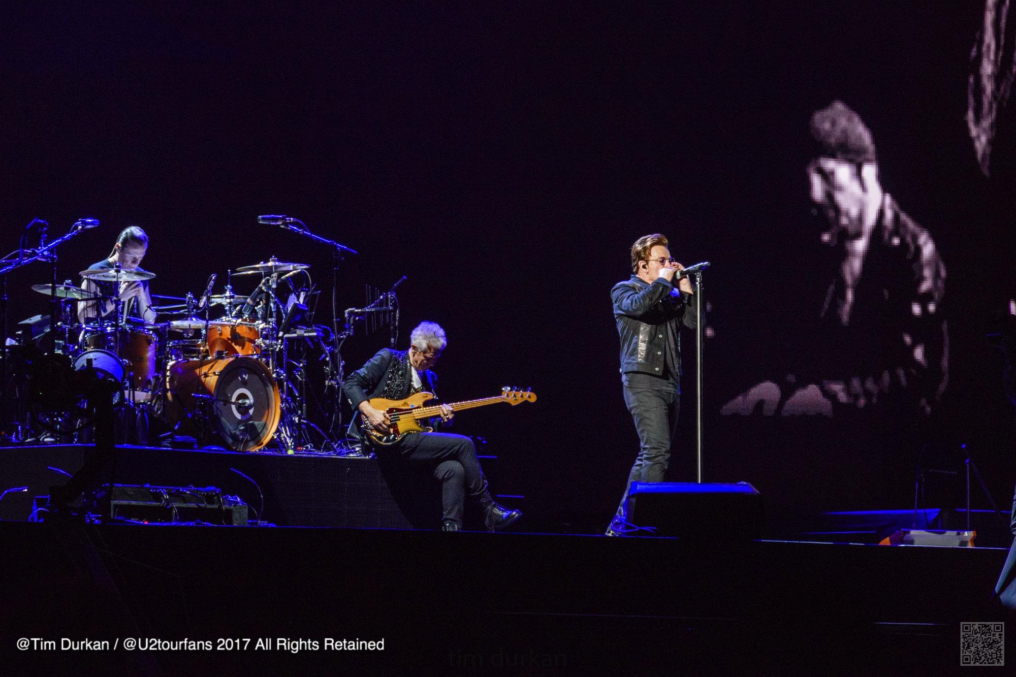 U2/ Tim Durkan/ U2TOURFANS