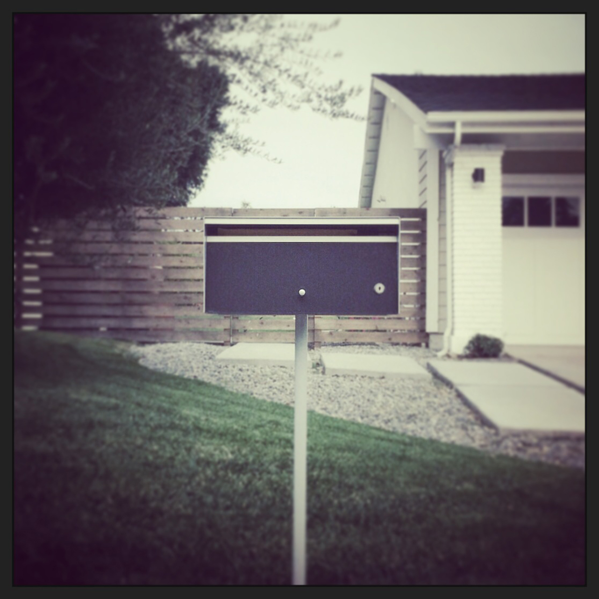 modern mailbox   / villa park