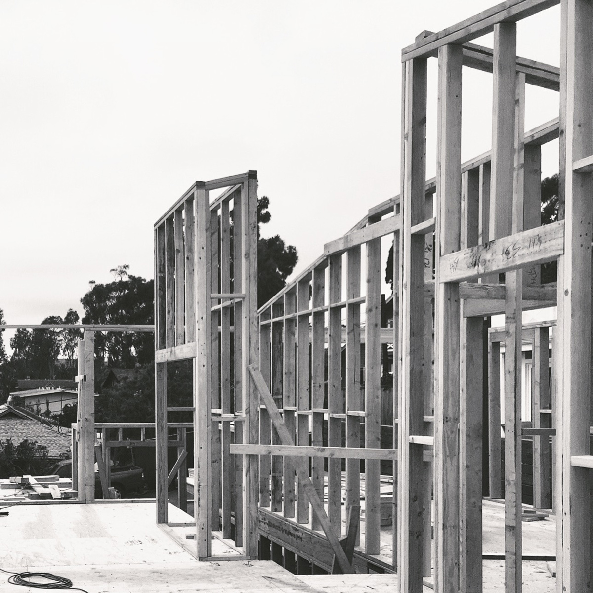 under construction: a contemporary cottage in woods cove