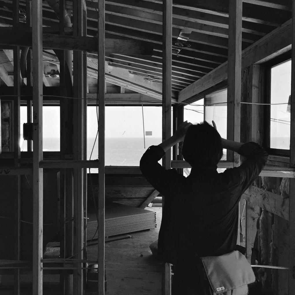 lauren at the site  /  laguna beach construction