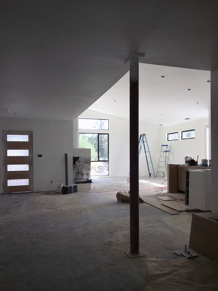 modern ranch house // interior great room construction