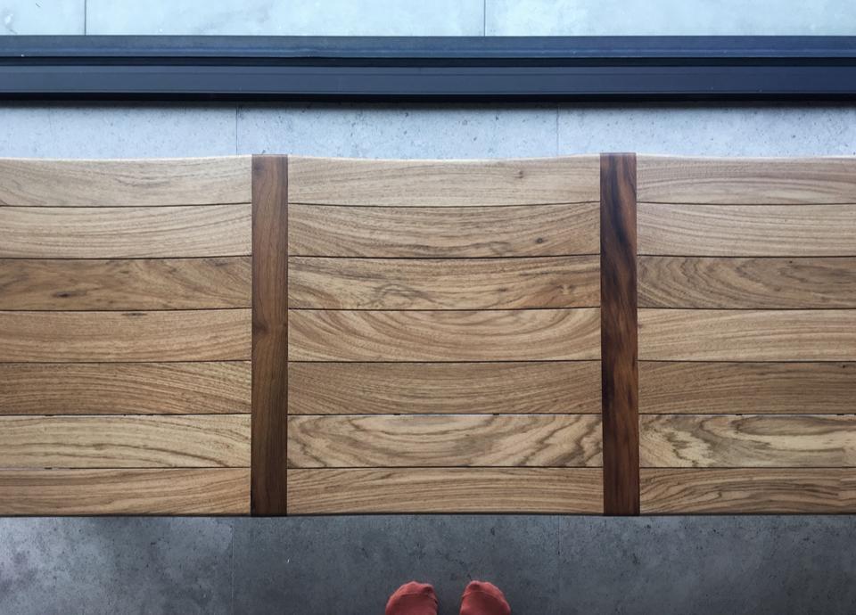 ylla bench / wood detail