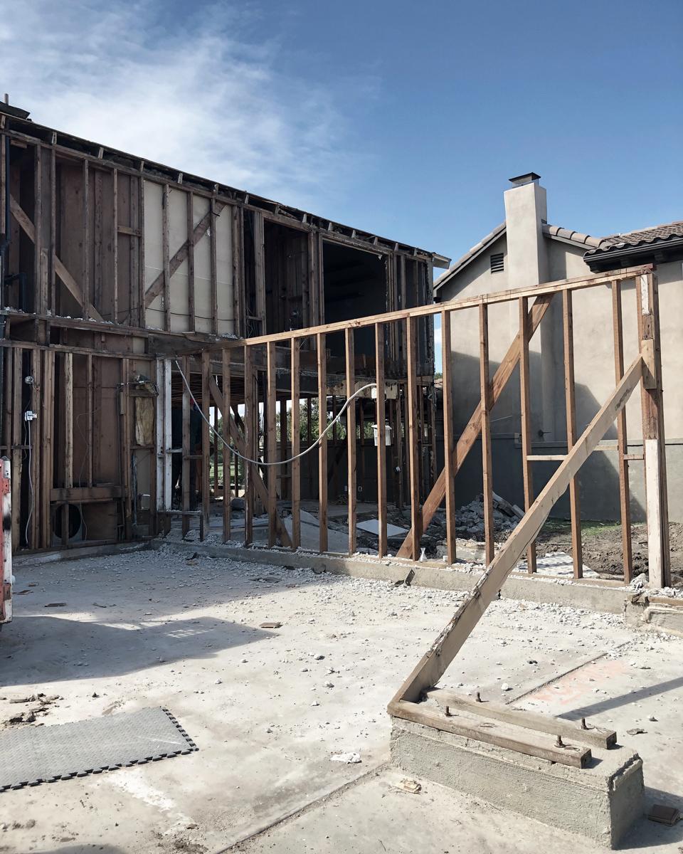 huntington beach modern / demolition at front