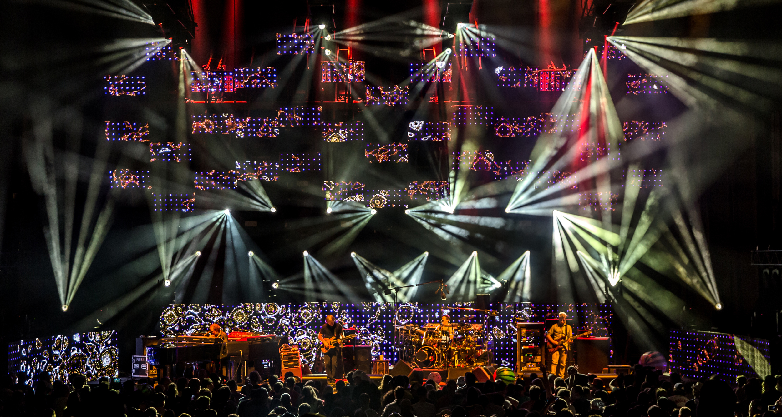 Phish 2016 from gif 012crop.jpg