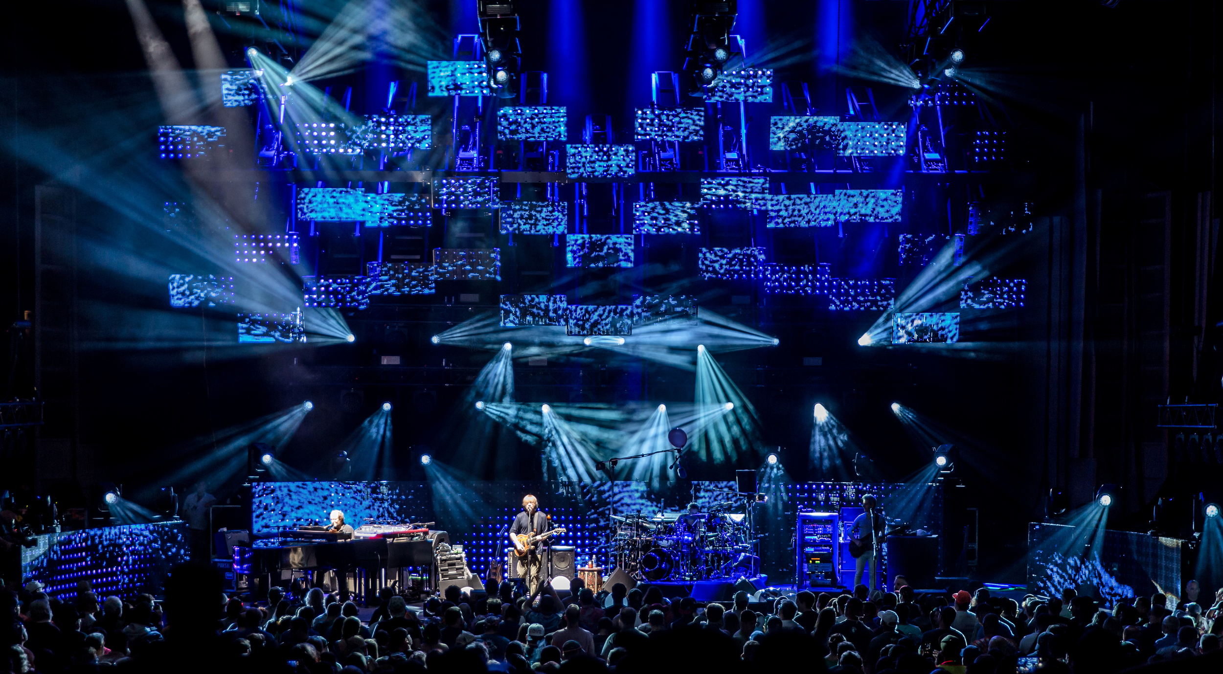 Phish 2016 from gif 020crop.jpg